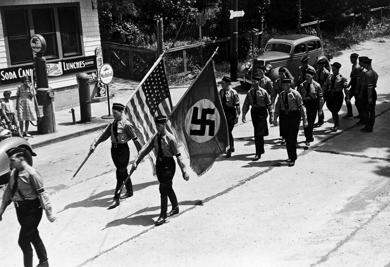 https://api.time.com/wp-content/uploads/2014/09/140917-american-nazi-party-1937.jpg?quality=85