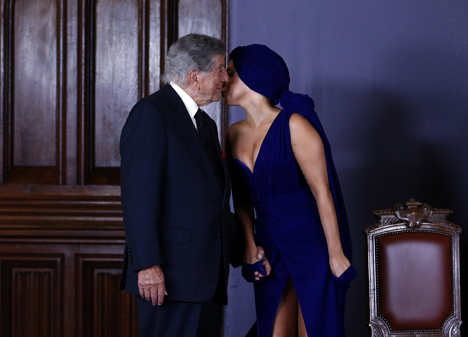 U.S. singers Lady Gaga and Tony Bennett arrive at a news conference, ahead of their concert in Brussels on Sept. 22, 2014.