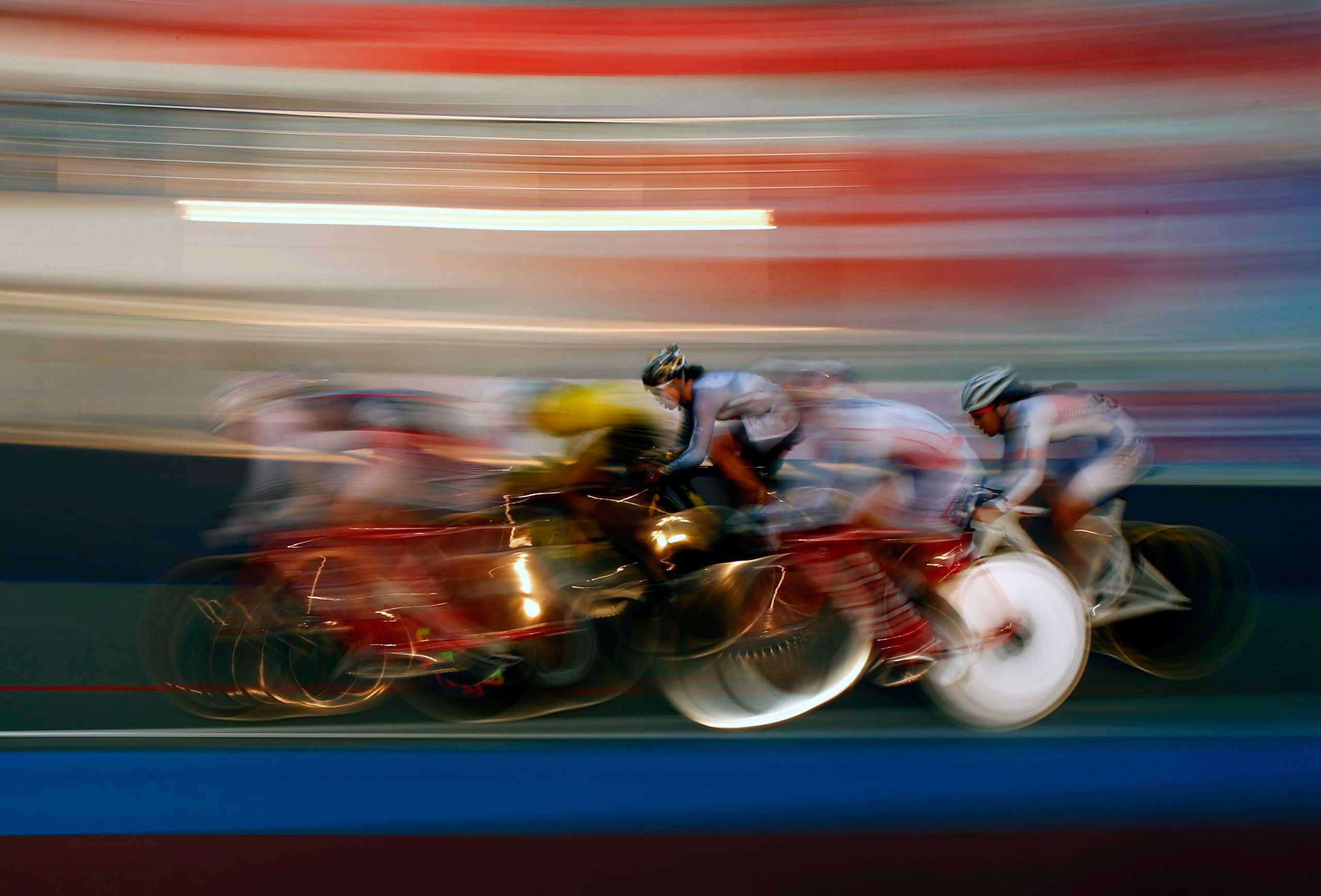 Sept. 25, 2014. The pack races in the track cycling women's omnium 25km point race at the Incheon International Velodrome during the 17th Asian Games.