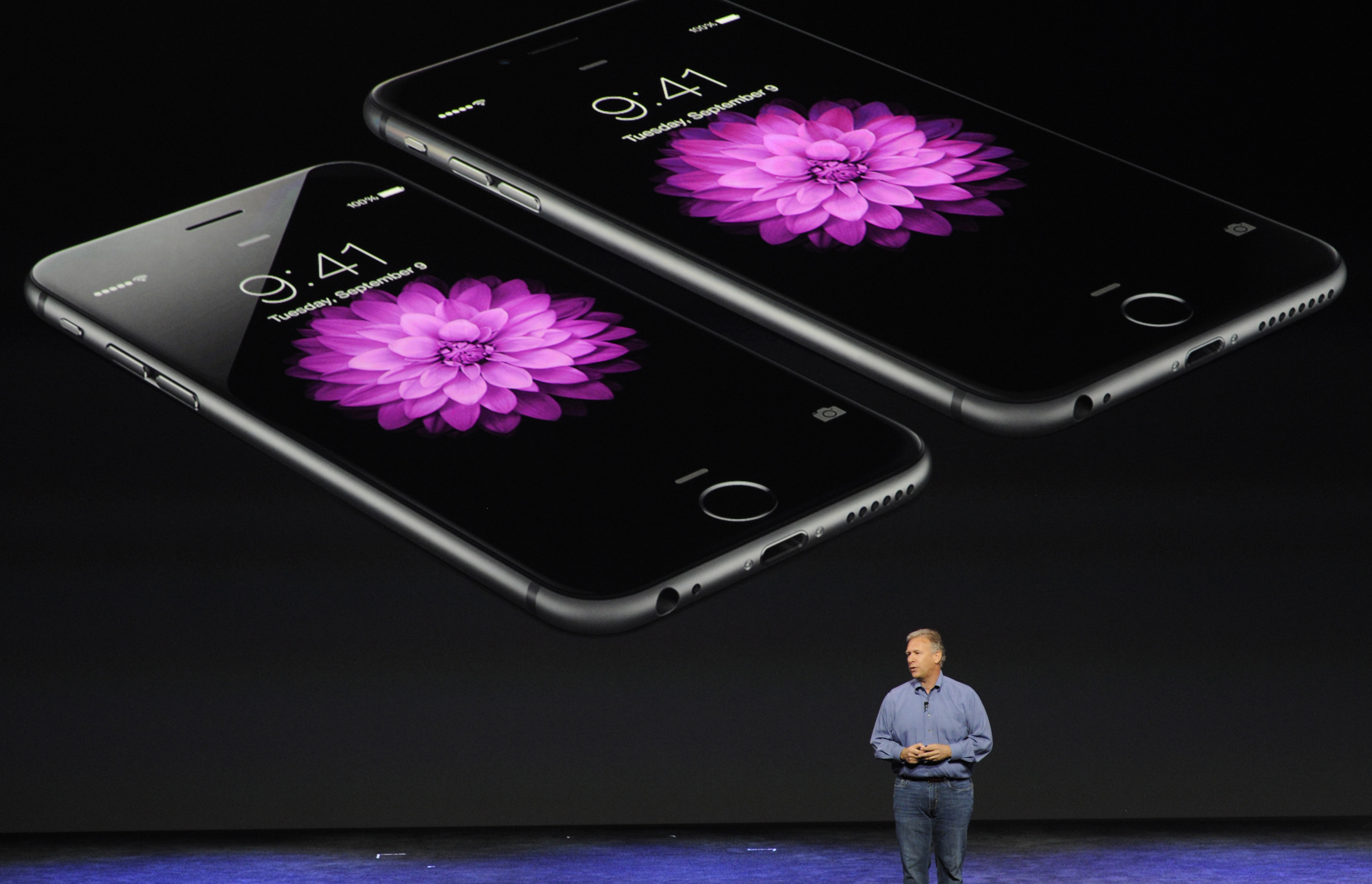 Philip  Phil  Schiller, senior vice president of worldwide marketing at Apple Inc., speaks about the iPhone 6 and iPhone 6 Plus during a product announcement at Flint Center in Cupertino, California, U.S., on Tuesday, Sept. 9, 2014.