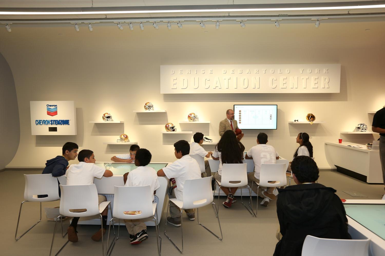 Matt Van Dixon instructs students at the 49ers STEM Leadership Institute at Levi's Stadium