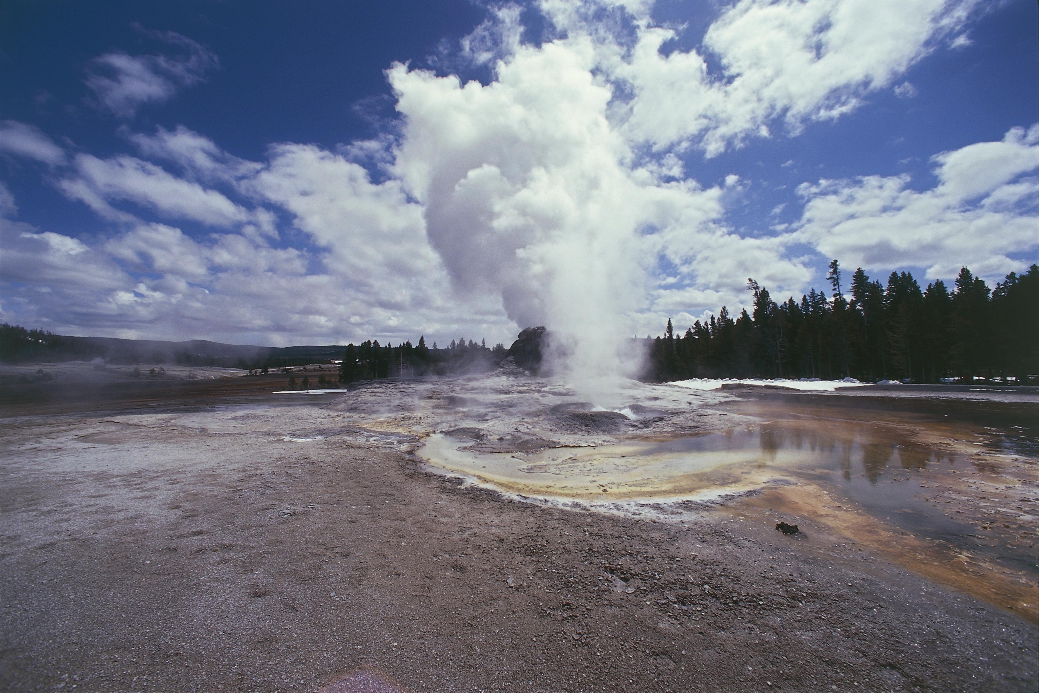 Yellowstone National Park (UNESCO World Heritage List, 1976). Region of geysers, Castle Geyser