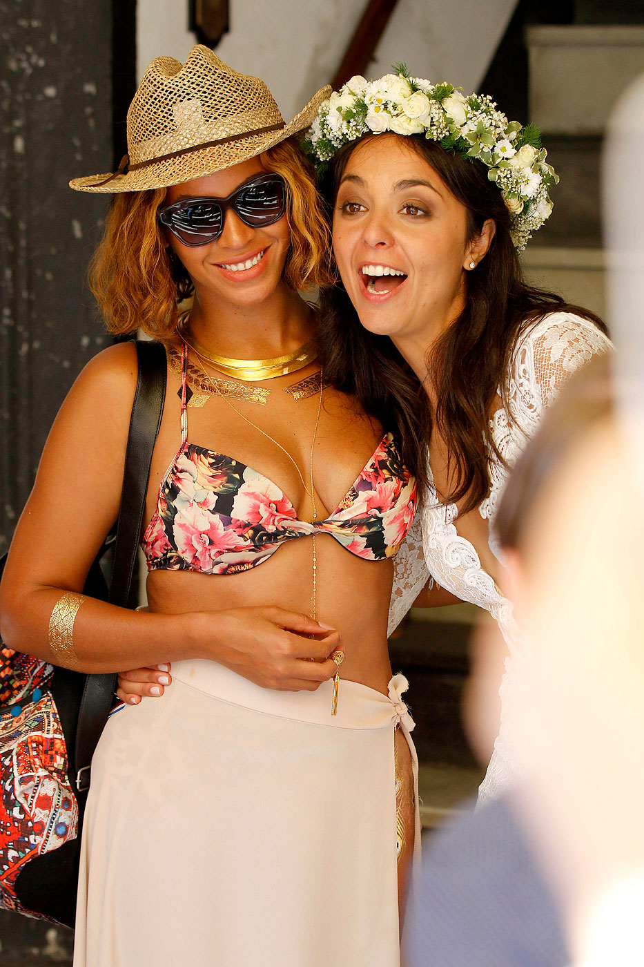 Beyoncé takes a picture with a bride while vacationing in Portofino, Italy on Sept. 6