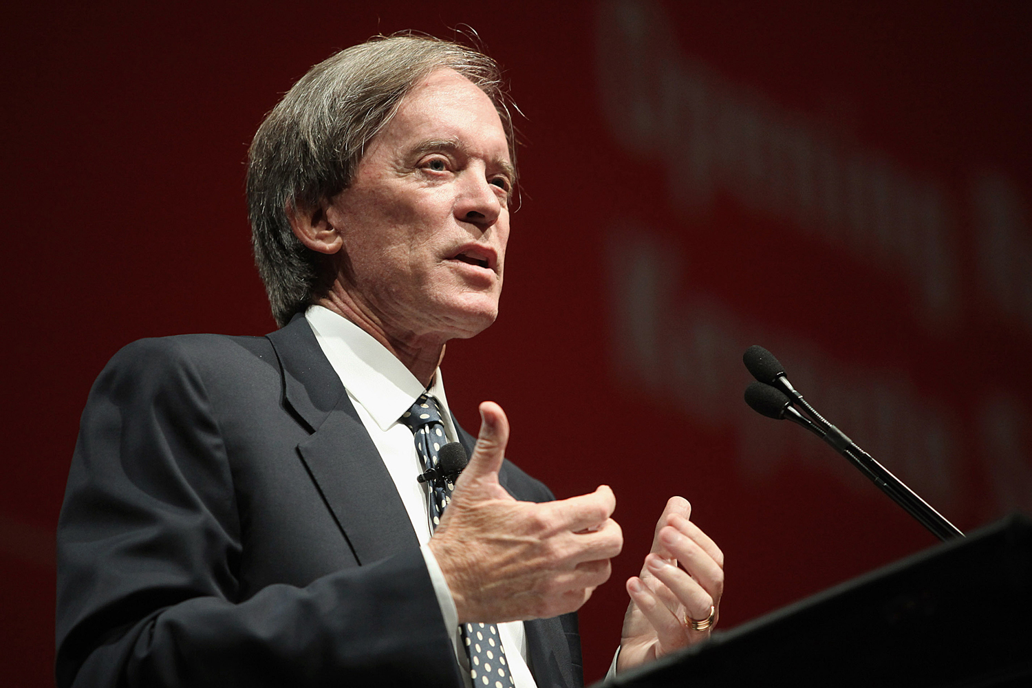 Bill Gross, co-chief investment officer of Pacific Investment Management Co., speaks at the Morningstar Investment Conference in Chicago, Illinois, U.S., on Wednesday, June 8, 2011.