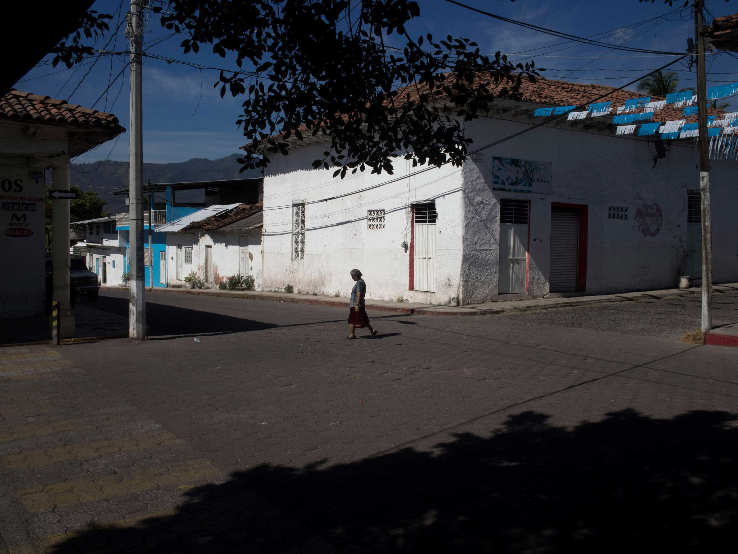 Jan. 5, 2014. Downtown Paracuaro, Michoac‡n, appears deserted after vigilantes arrive.