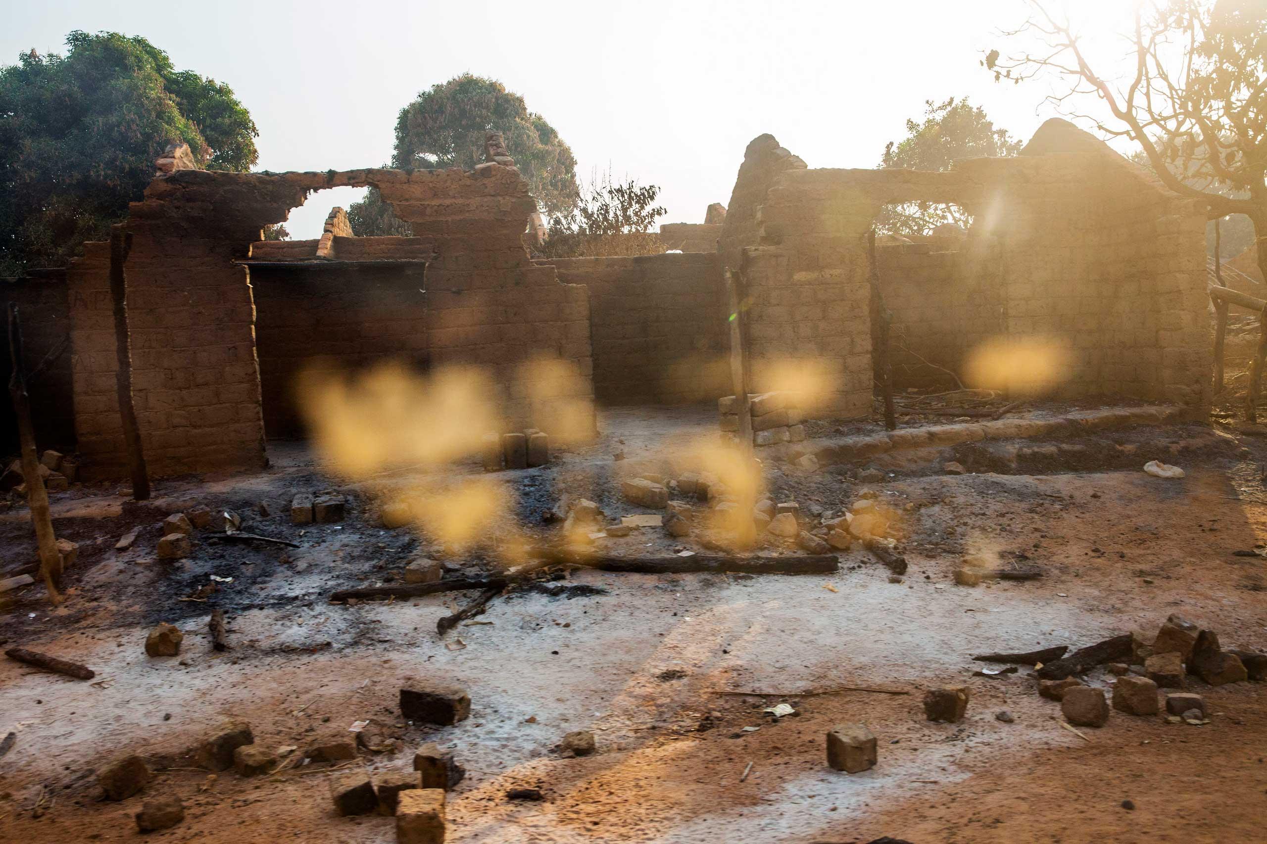 Jan. 28, 2014: A village between Bozoum and Bossemptélé, was burned by Séléka.