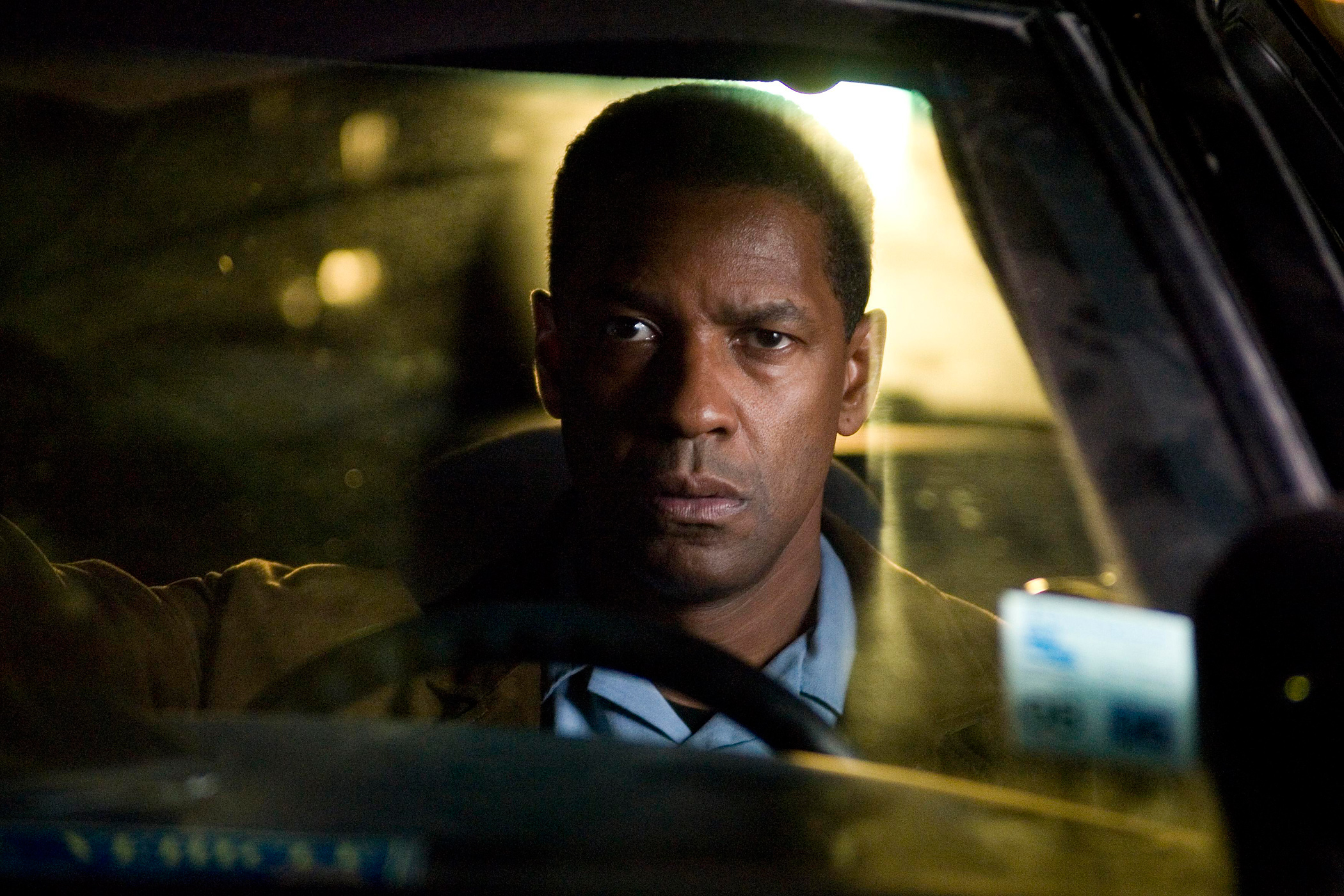 Deja Vu (2006) began Washington's trend toward less inspired action roles that might have been better suited for a less talented actor.