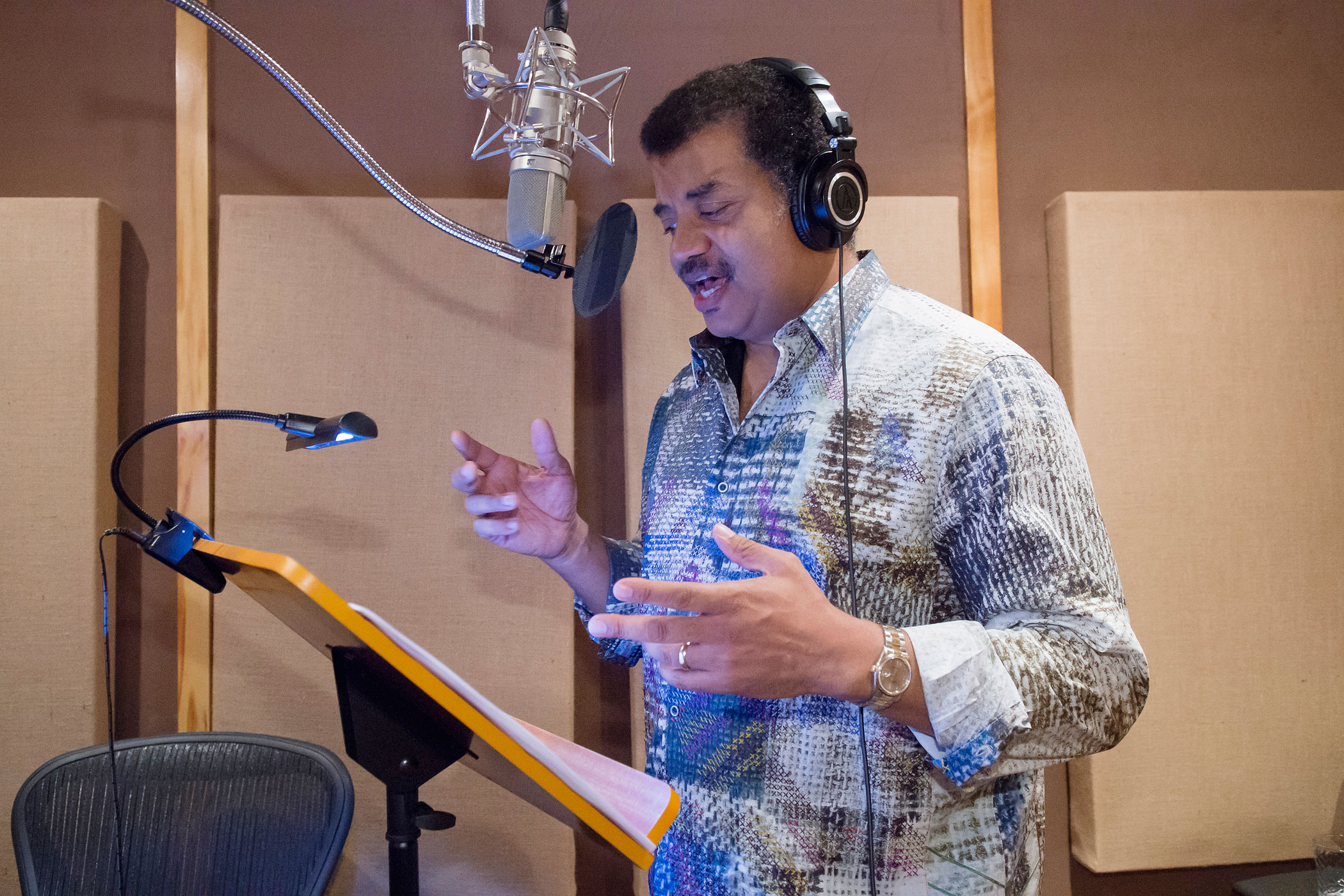Neil deGrasse Tyson records his role as  smart  Waddles for Gravity Falls.