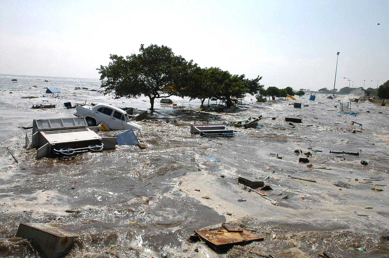 <b>2004:</b> The US and Indian navies cooperated on rescue efforts after the Dec. 2004 tsunami that affected the Indian subcontinent.