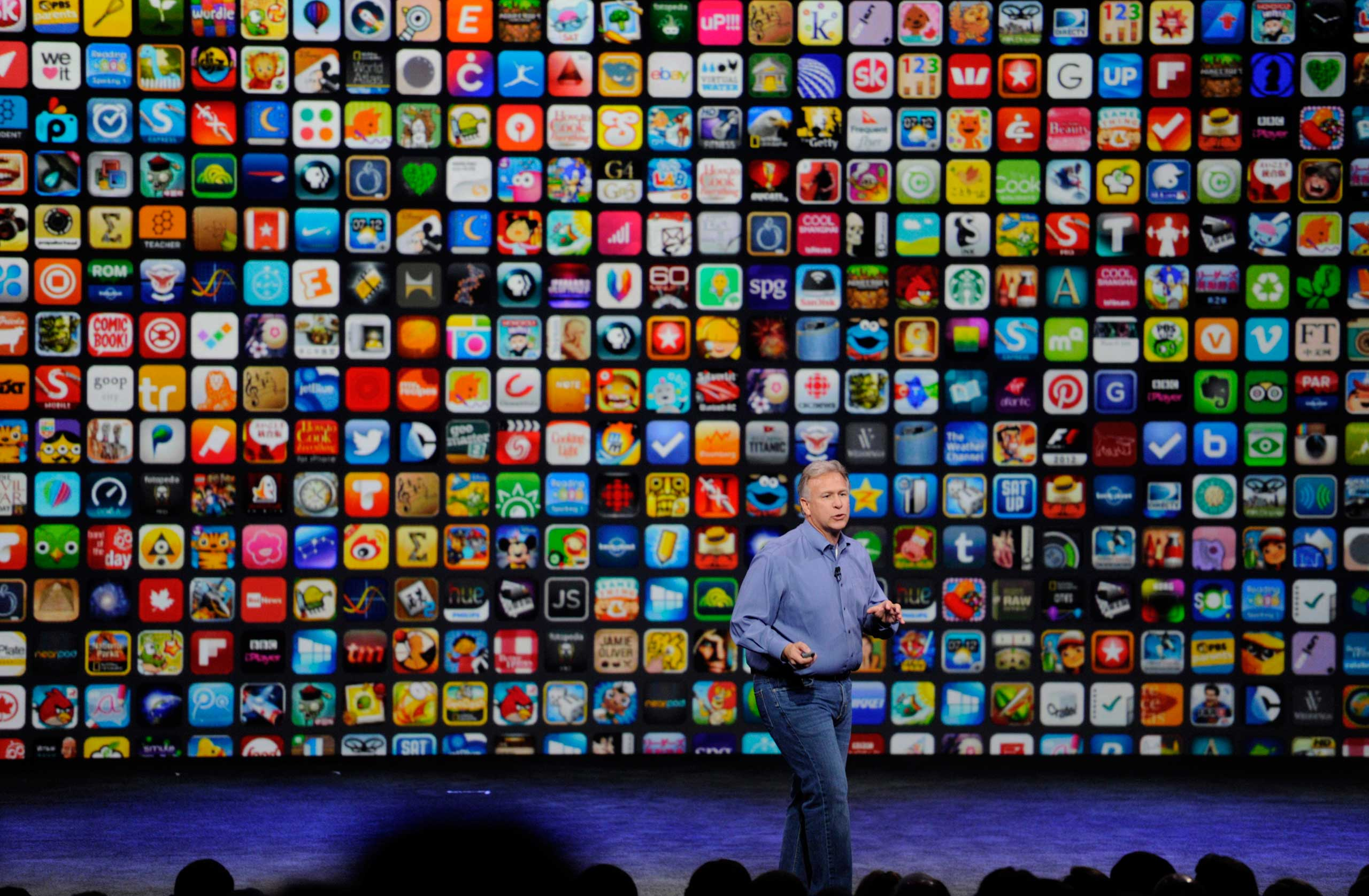 Philip Schiller, senior vice president of worldwide marketing at Apple Inc., speaks about the iPhone 6 and iPhone 6 Plus during a product announcement at Flint Center in Cupertino, California on Sept. 9, 2014.