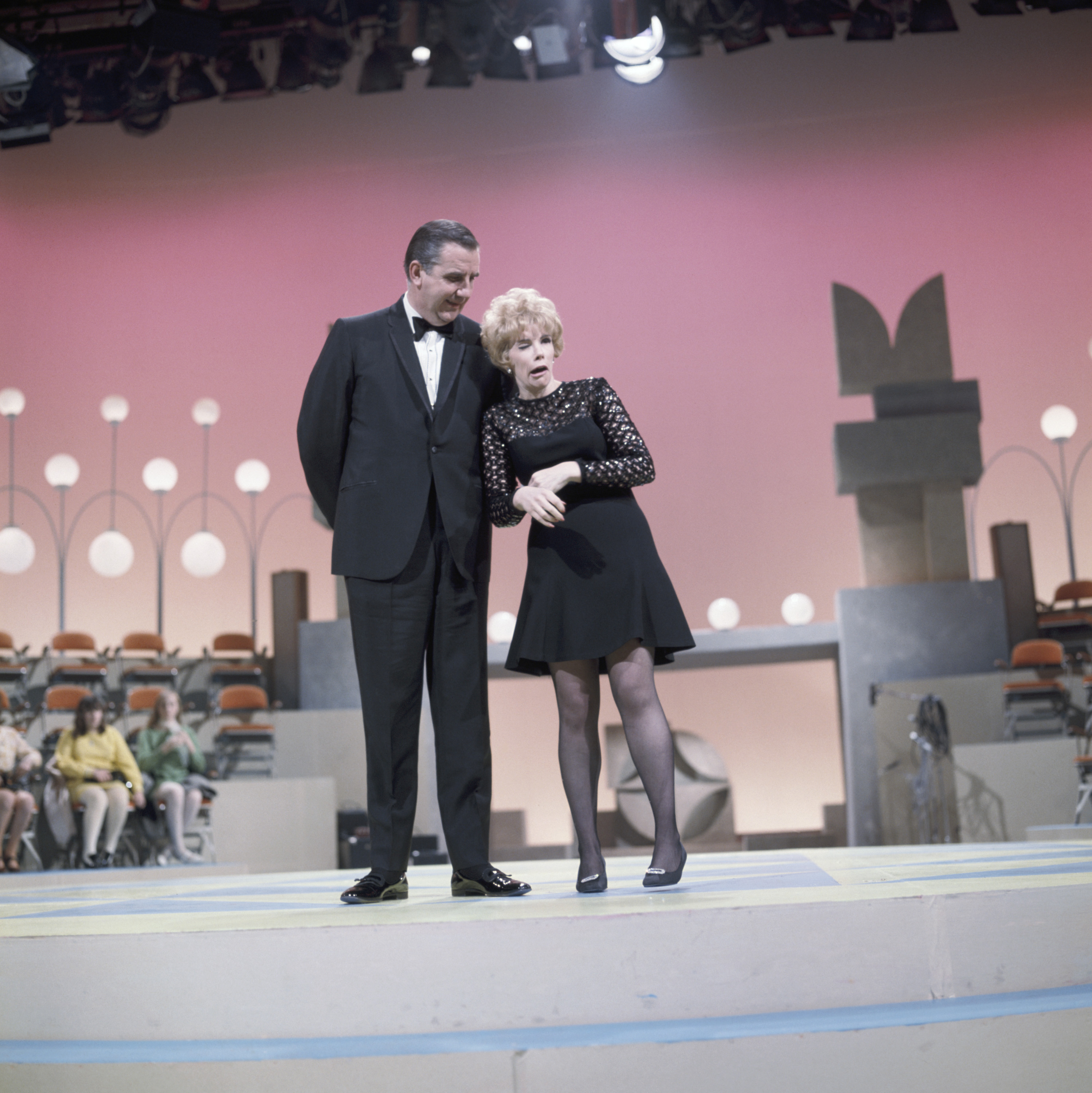 Ed McMahon and host Joan Rivers on <i>Kraft Music Hall</i> on Aug. 21, 1968.