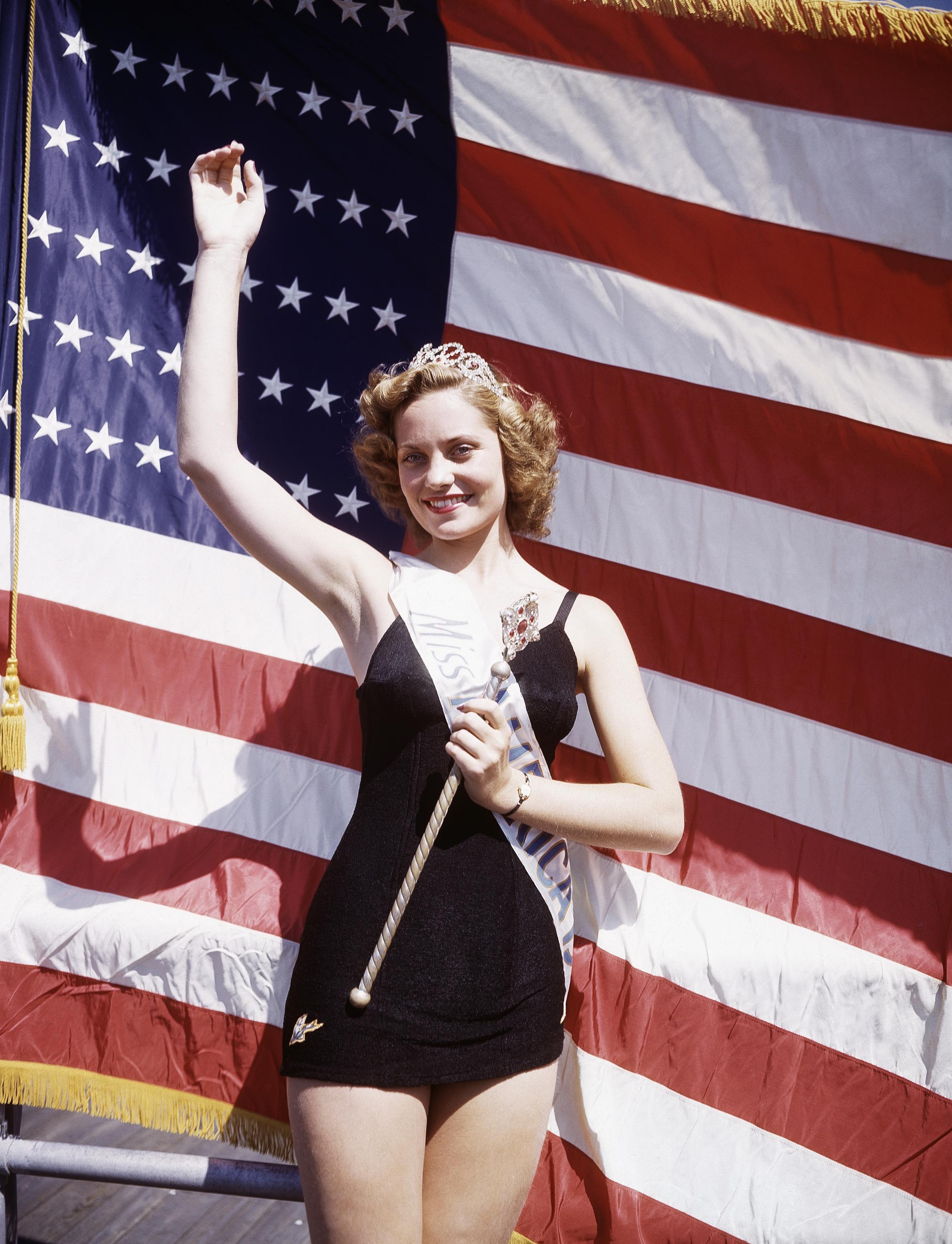 1943: Jean Bartel from Los Angeles