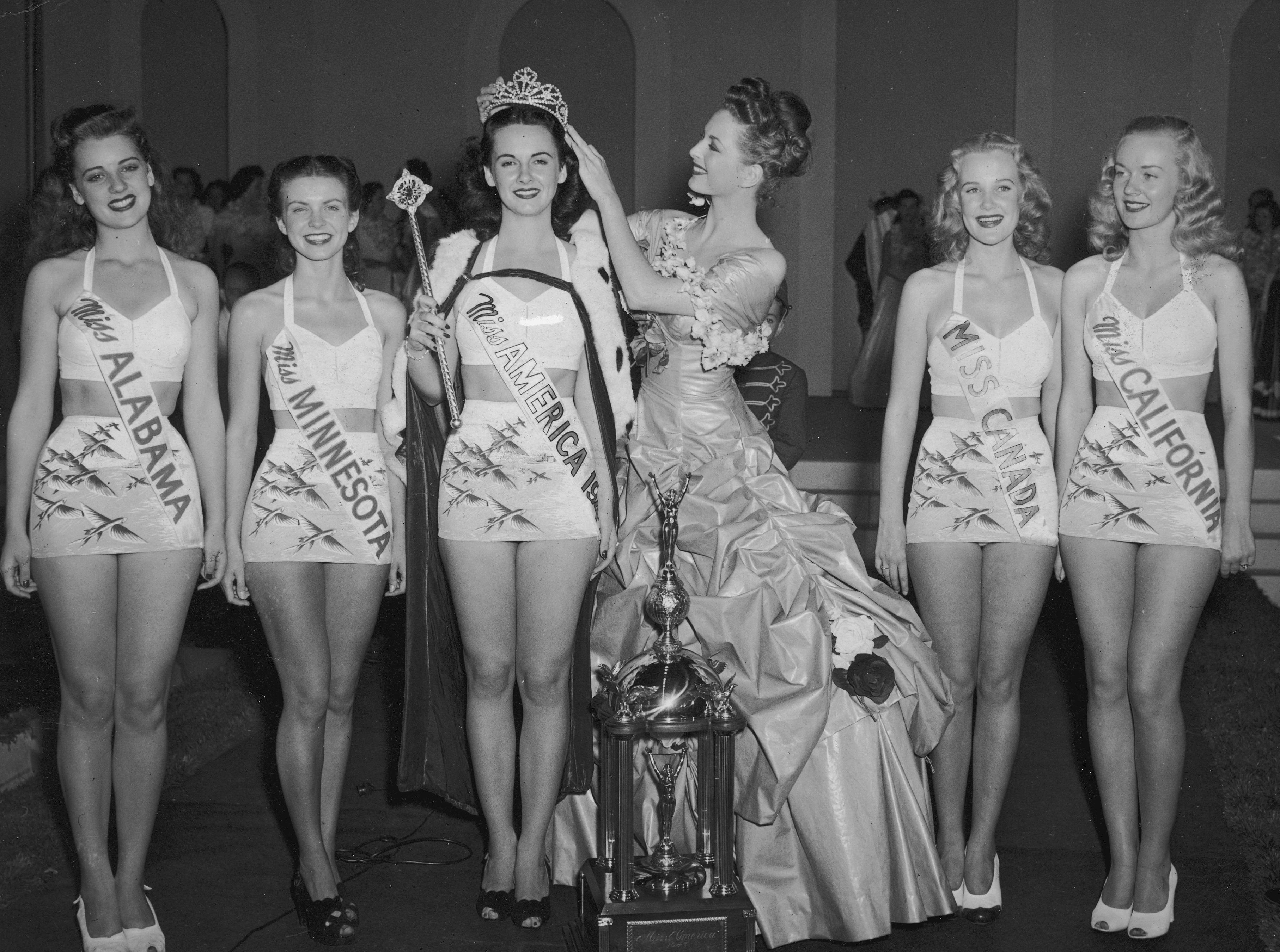 1946: Marilyn Buferd from Los Angeles