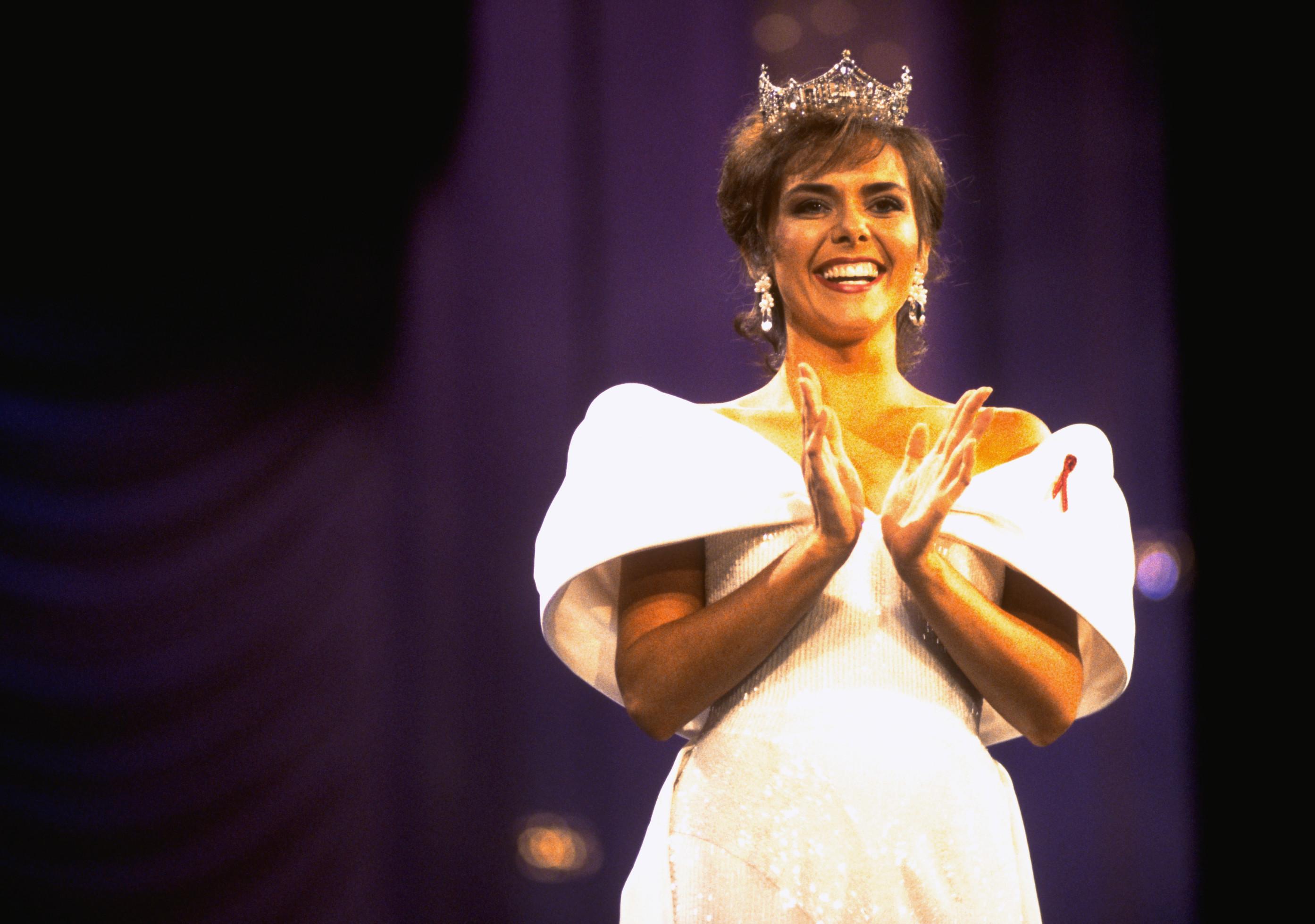 1993: Leanza Cornett from Jacksonville, Fla.
