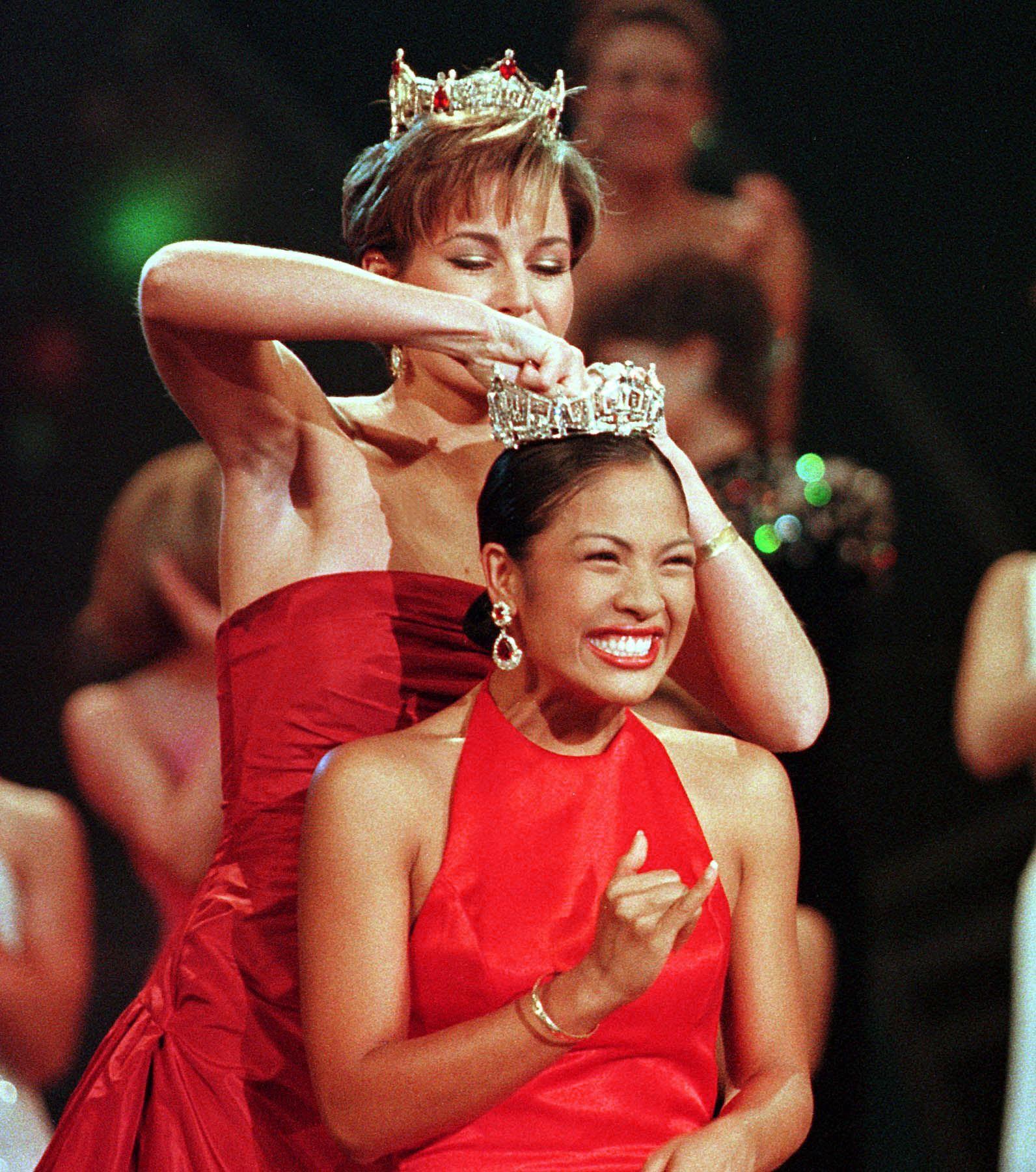 2001: Angela Perez Baraquio from Honolulu