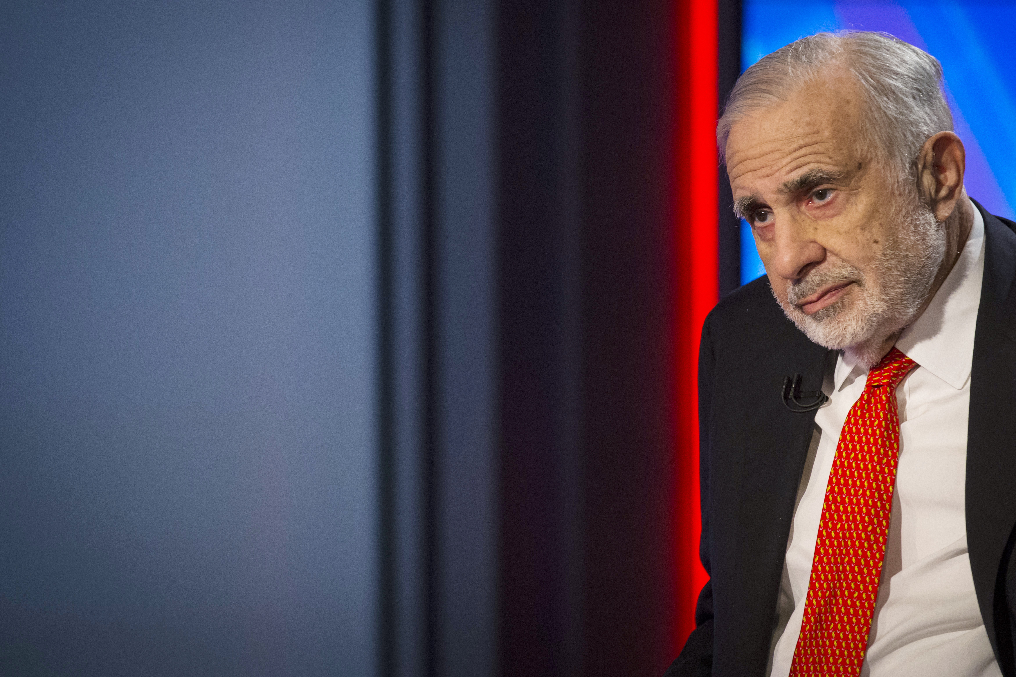 Carl Icahn gives an interview on FOX Business Network's Neil Cavuto show in New York Feb. 11, 2014.