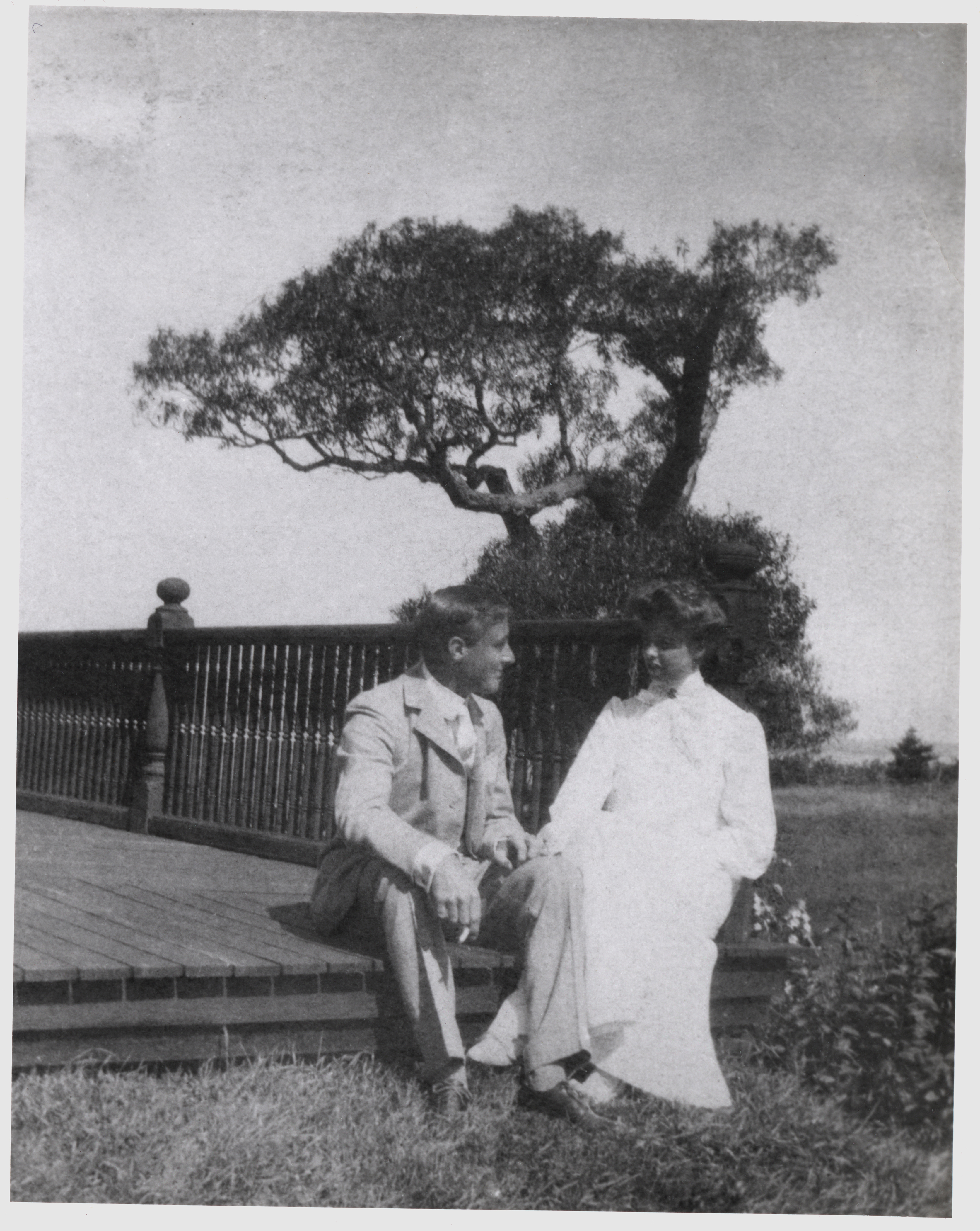 Franklin Delano Roosevelt and Eleanor Roosevelt on Campobello Island in 1904