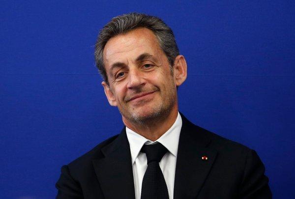 Sarkozy Eyes Return To Frontline French Politics As Hollande Stumbles Time