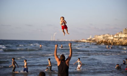 TOPSHOTS-PALESTINIAN-FEATURE-GAZA-BEACH