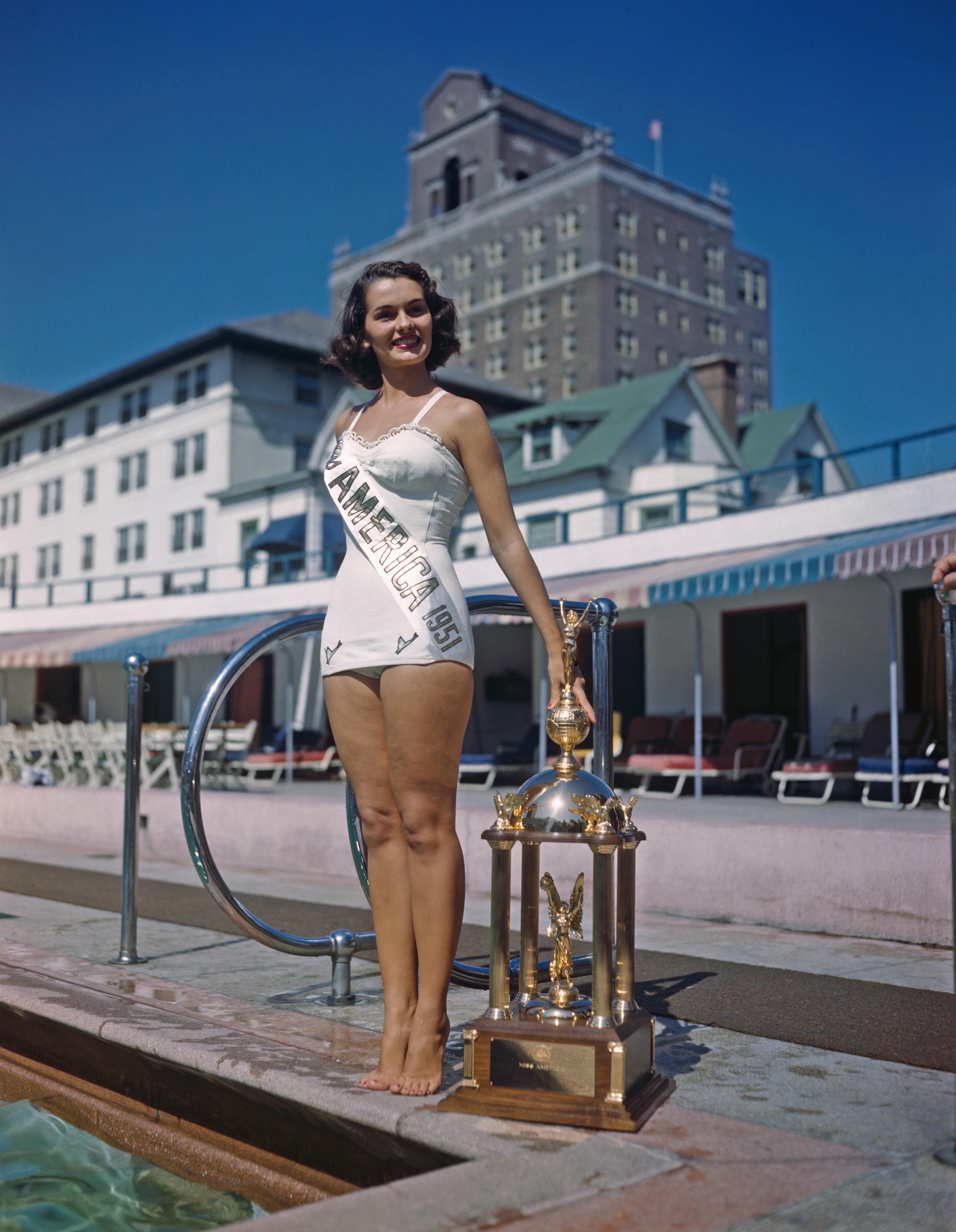 1951: Yolande Betbeze from Mobile, Ala.