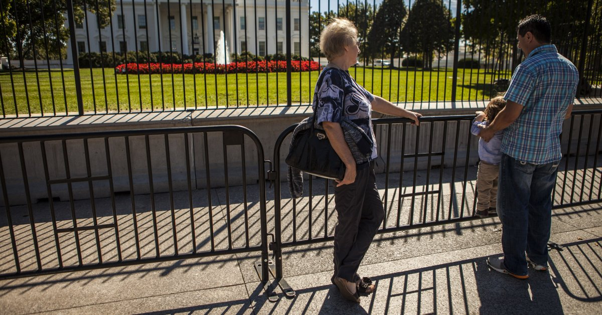 Secret Service Erects Extra Fence Around White House | Time