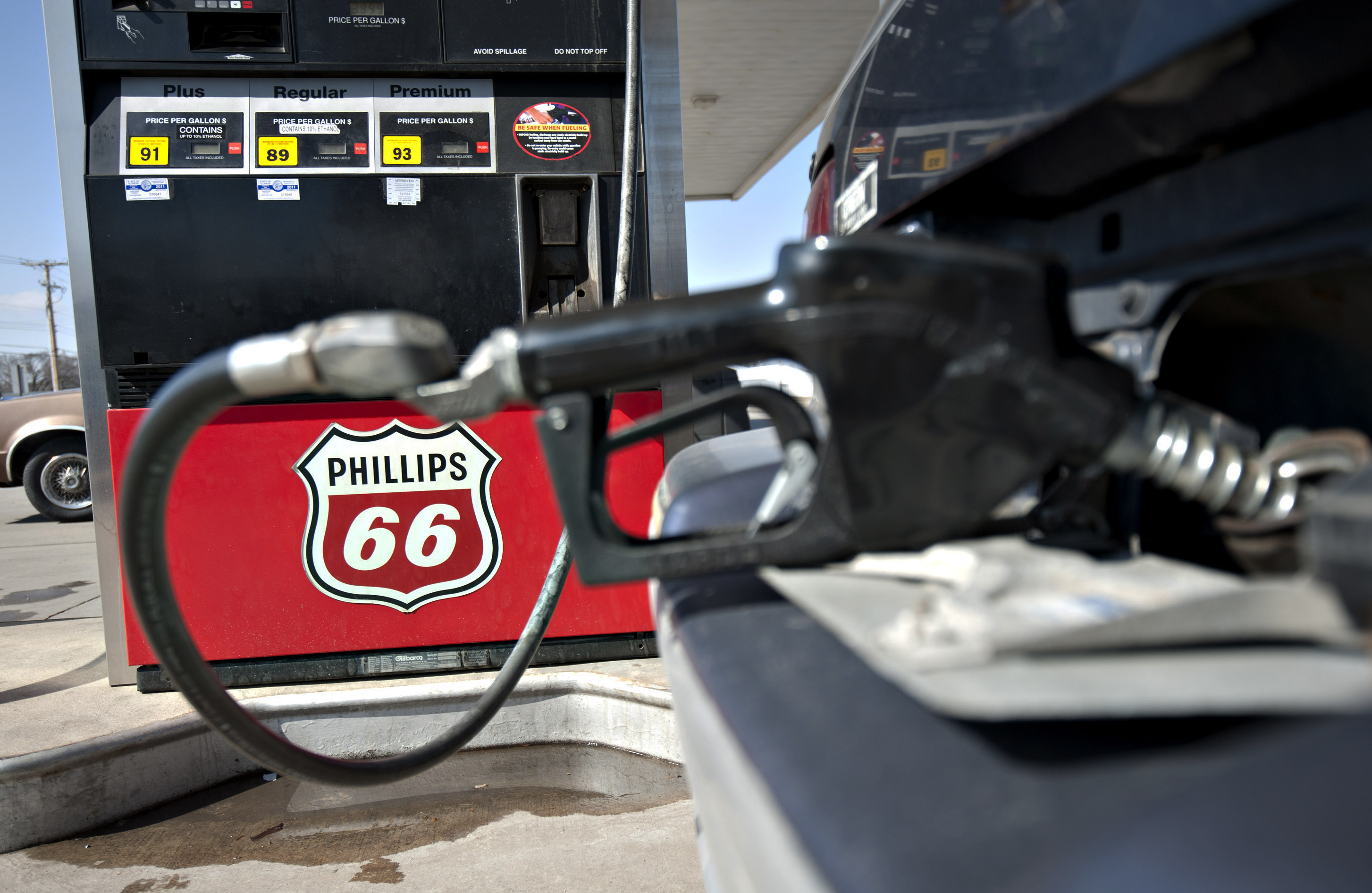 Phillips 66 The refining company reported a 4% dip in revenue in 2013 — the first full-year results since it separated from the exploration division of ConocoPhillips in 2012. Results were hurt by lower average prices for crude oil and petroleum products. Phillips 66 is planning to spend about 40% more on capital expenditures in 2014 compared to the prior year, as the company invests in its midstream and chemicals segments to capitalize on North America's energy renaissance.