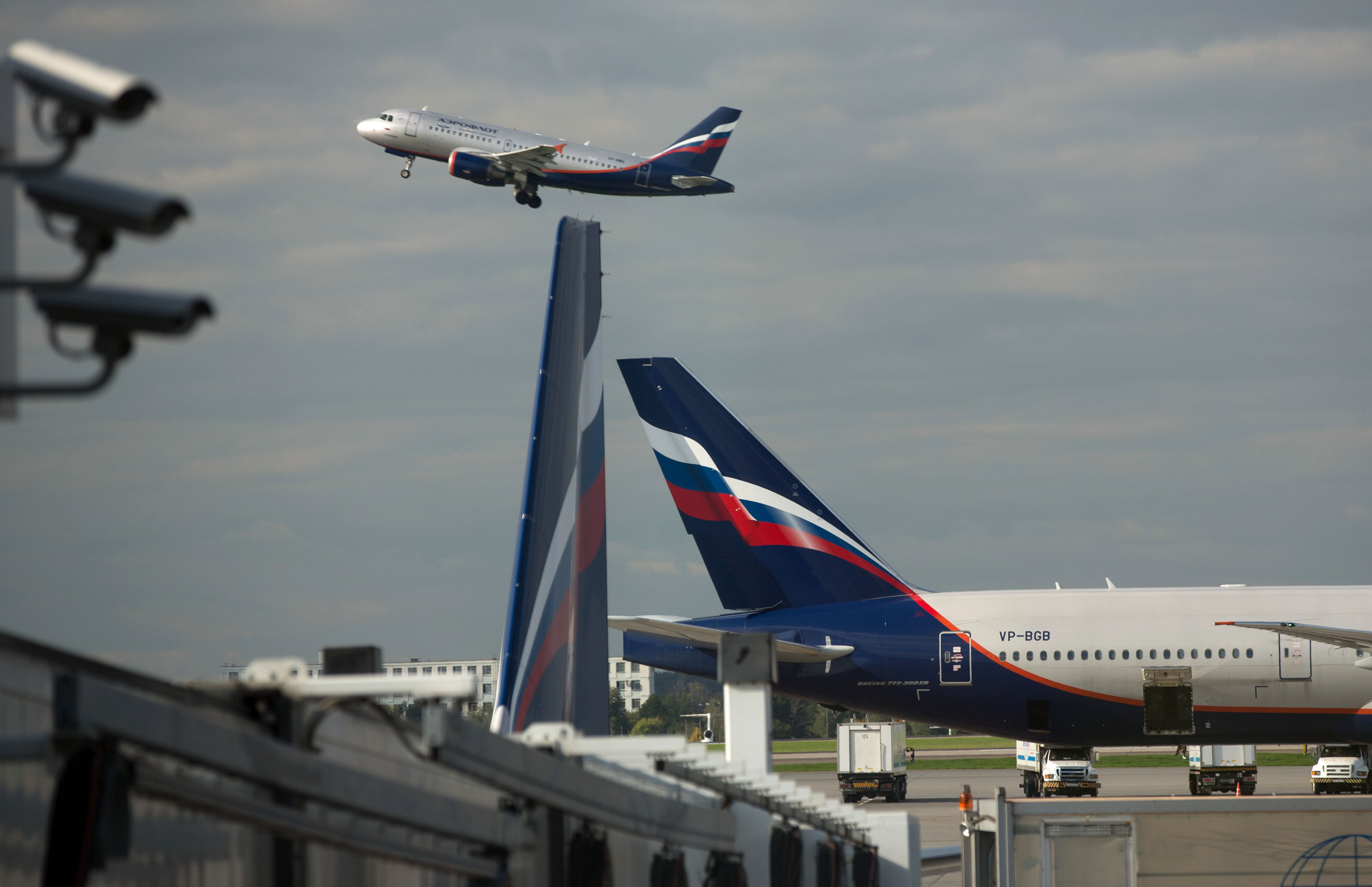 A passenger jet operated by OAO Aeroflot takes off from Sheremetyevo airport in Moscow, Russia, on Thursday, Sept. 4, 2014.