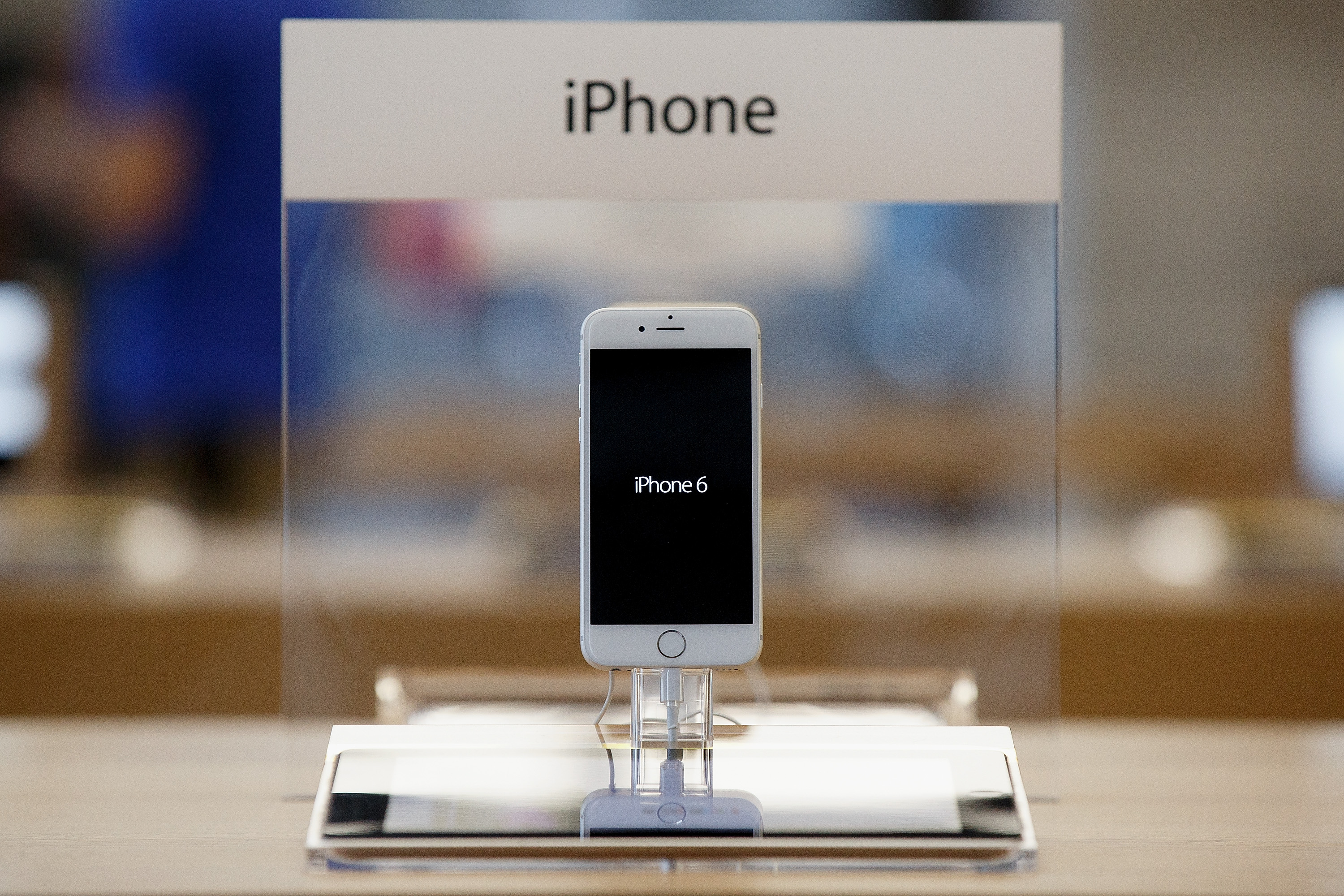 <strong>The iPhone 6 is much faster.</strong> With 802.11ac Wi-Fi, the iPhone 6's Wi-Fi speeds are up to three times faster than those of the iPhone 5s. The iPhone 6 also has faster LTE than the iPhone 5s, and it can make use of more frequency ranges than other iPhones, making for better roaming capabilities.