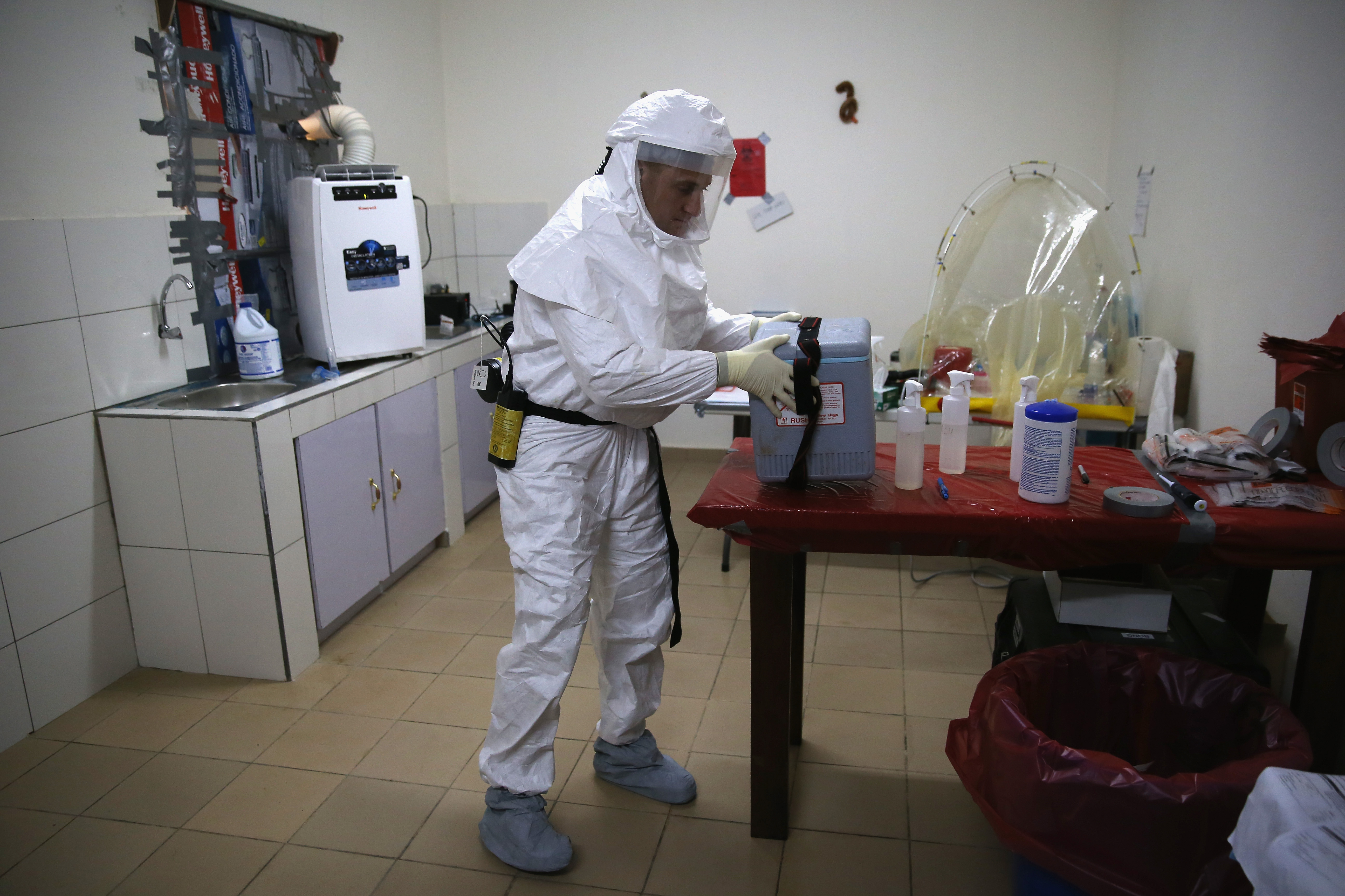 canada ships its ebola vaccine to the who to curb outbreak