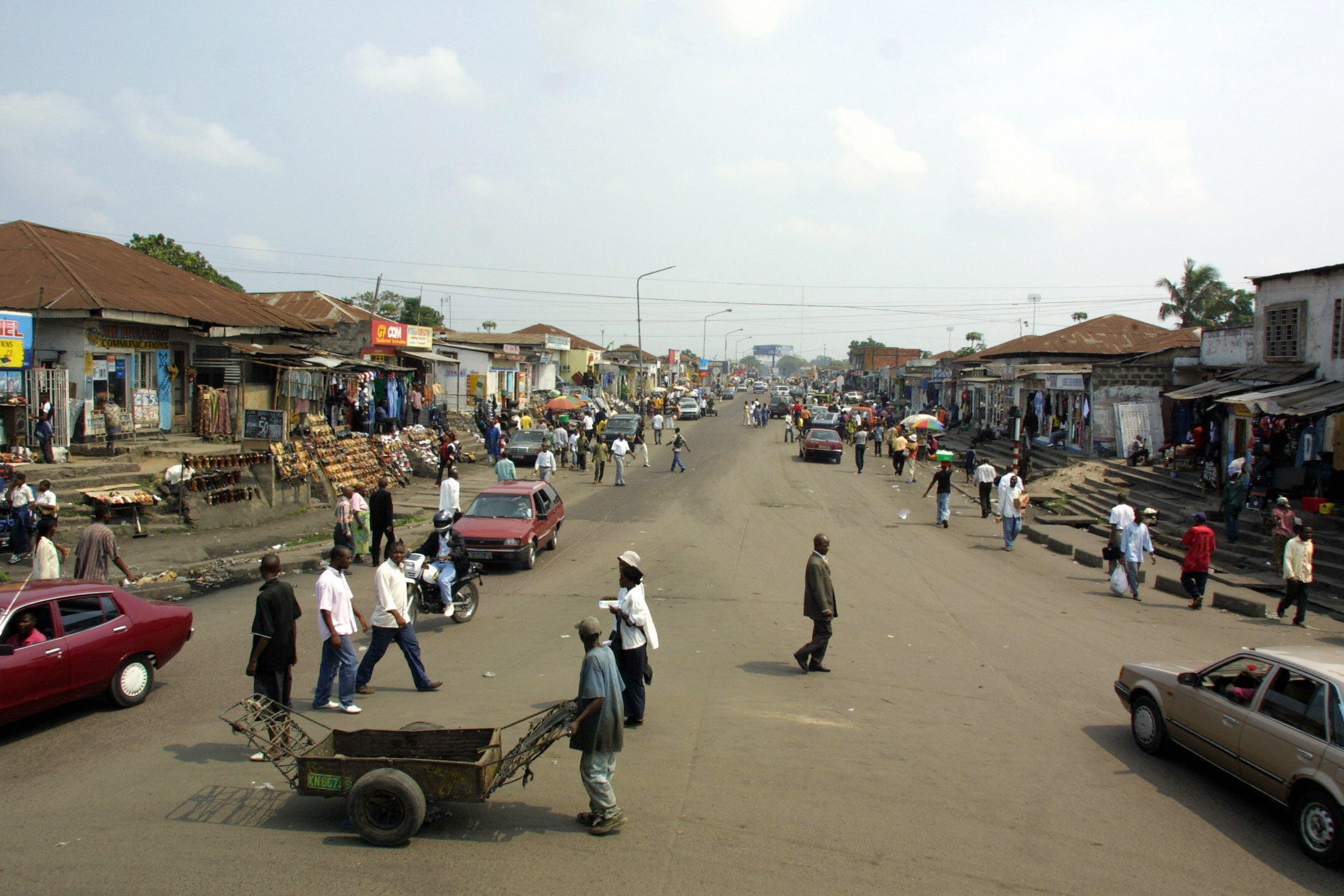 File photo showing a General view of a street in Kinshasa on 16 June, 2004.