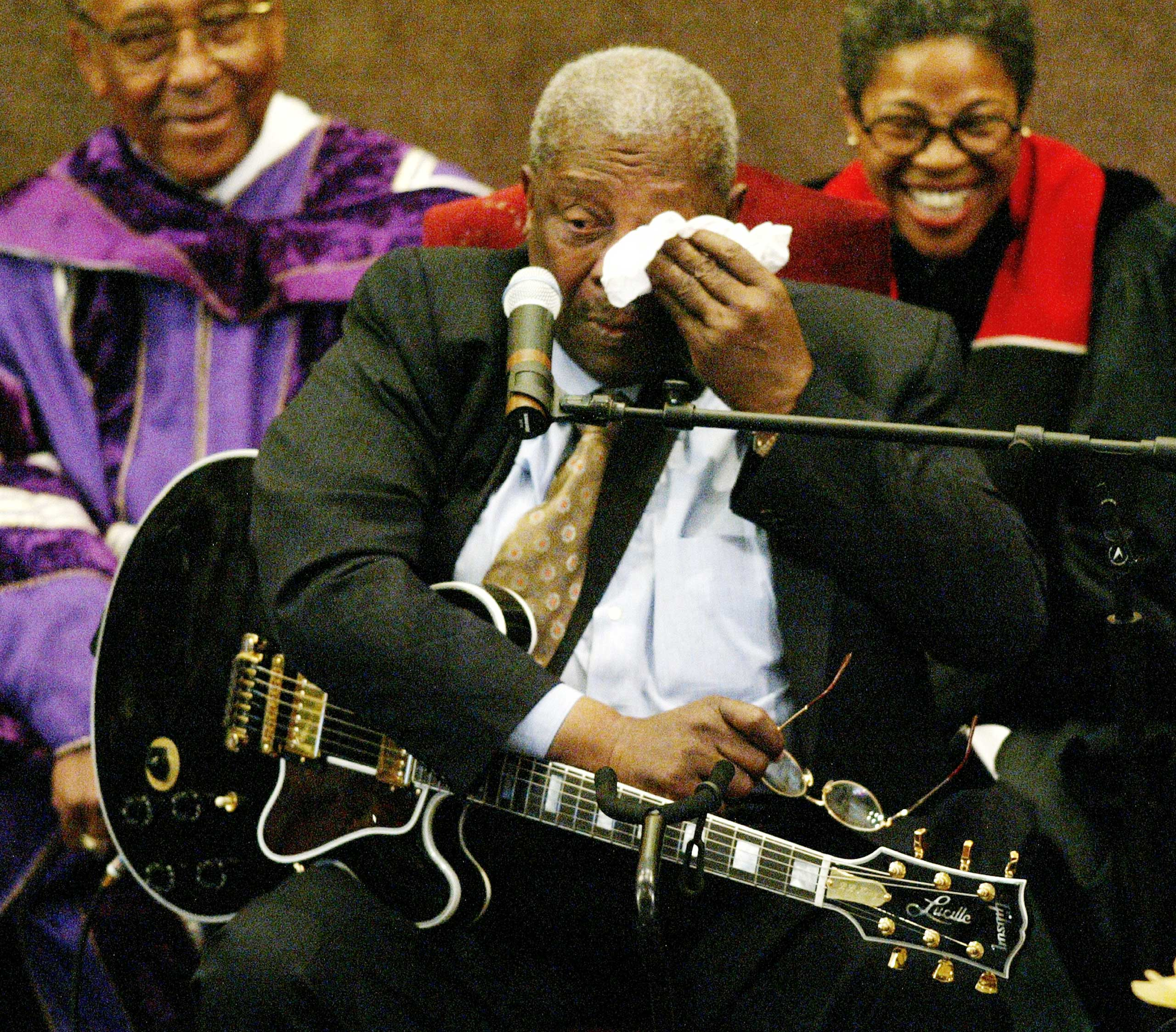 B.B. King performs during the funeral for legendary singer and musician Ray Charles at the First AME Church in Los Angeles on June 18, 2004.
