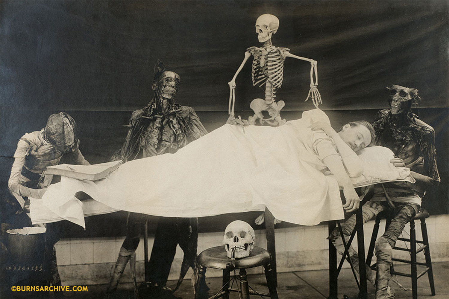 """A Student's Dream""                 Illusion of Dissection Anxiety 1906"
