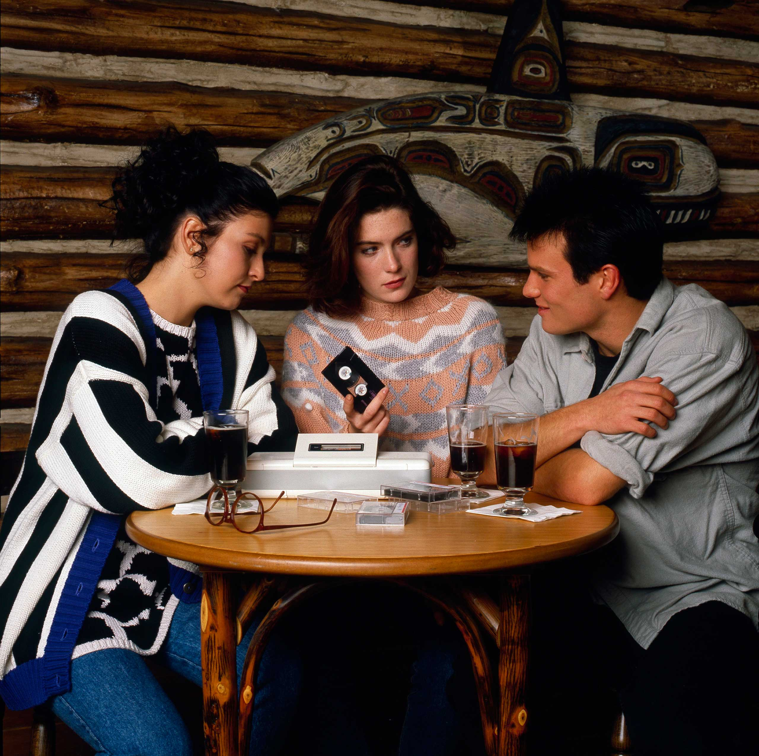 Sheryl Lee, Lara Flynn Boyle, James Marshall, 1989.