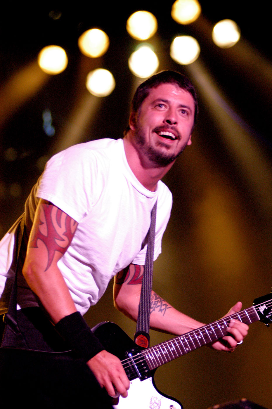 Dave Grohl performs at the 11th Annual Music Midtown Festival in Atlanta, Georgia on May 1, 2004.