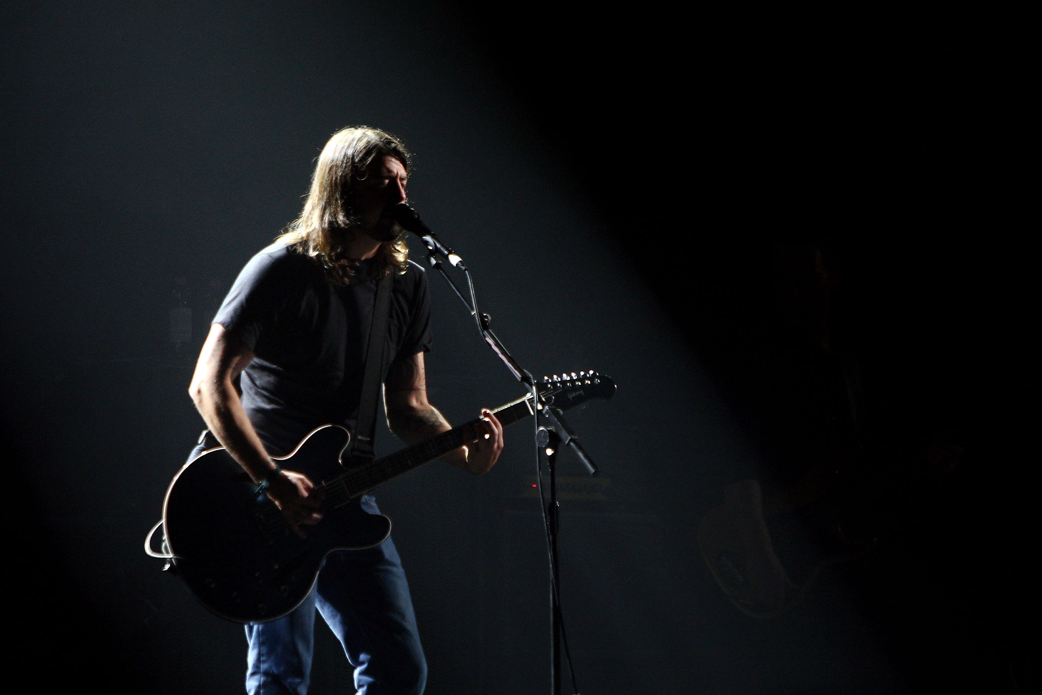 Dave Grohl of the Foo Fighters rehearses ahead of the MTV Europe Music Awards 2009 at the O2 Arena on November 4, 2009 in Berlin, Germany.