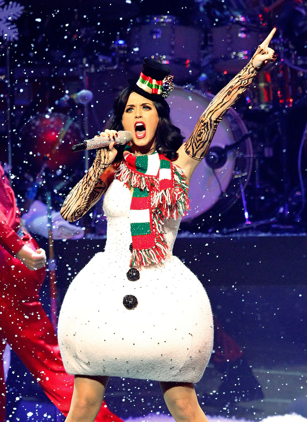 Katy Perry performs at KIIS FM's Jingle Ball concert in Los Angeles December 5, 2010.