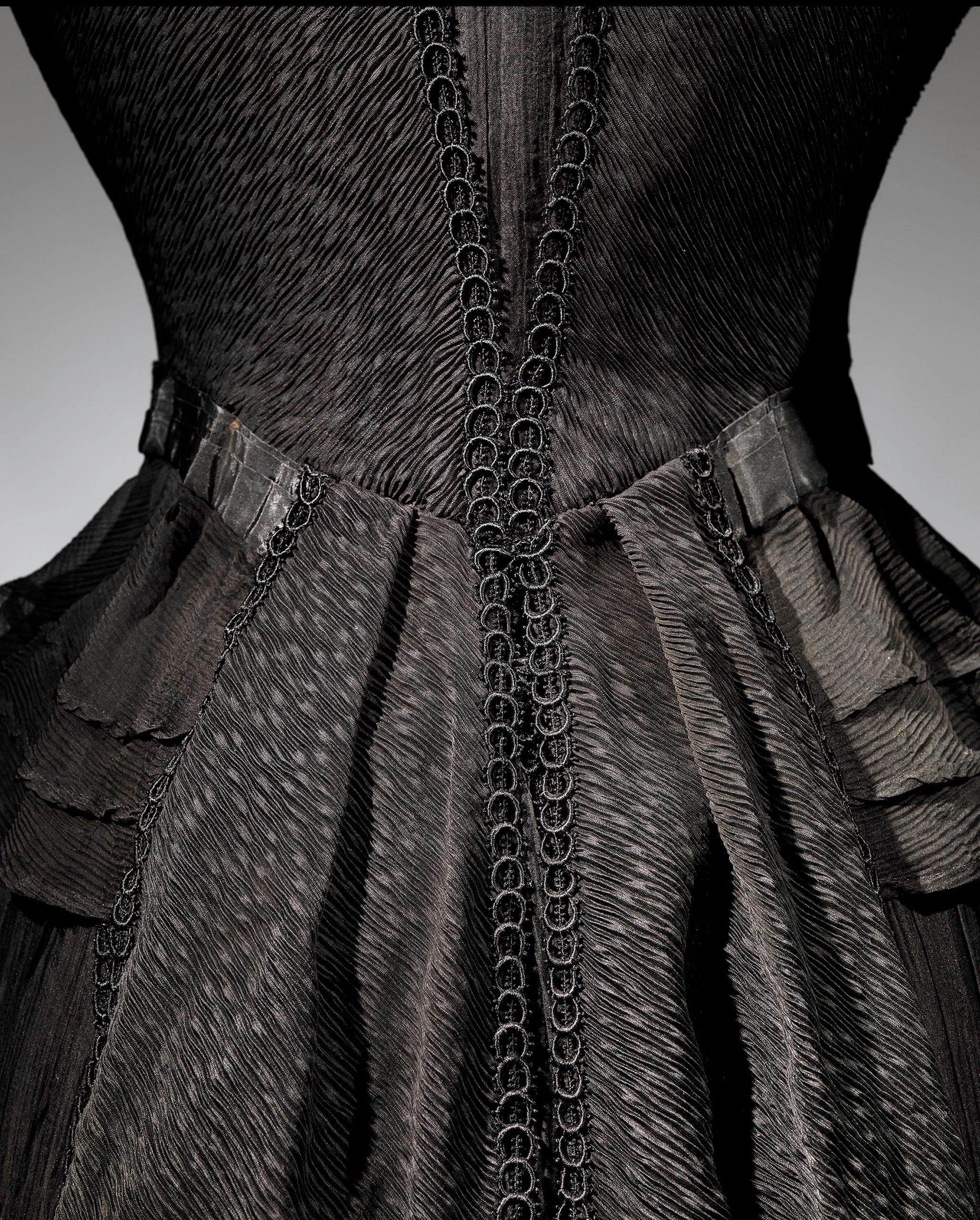 <strong>Mourning Dress (Detail), 1902-1904</strong>                                    Black silk crape, black chiffon, black taffeta