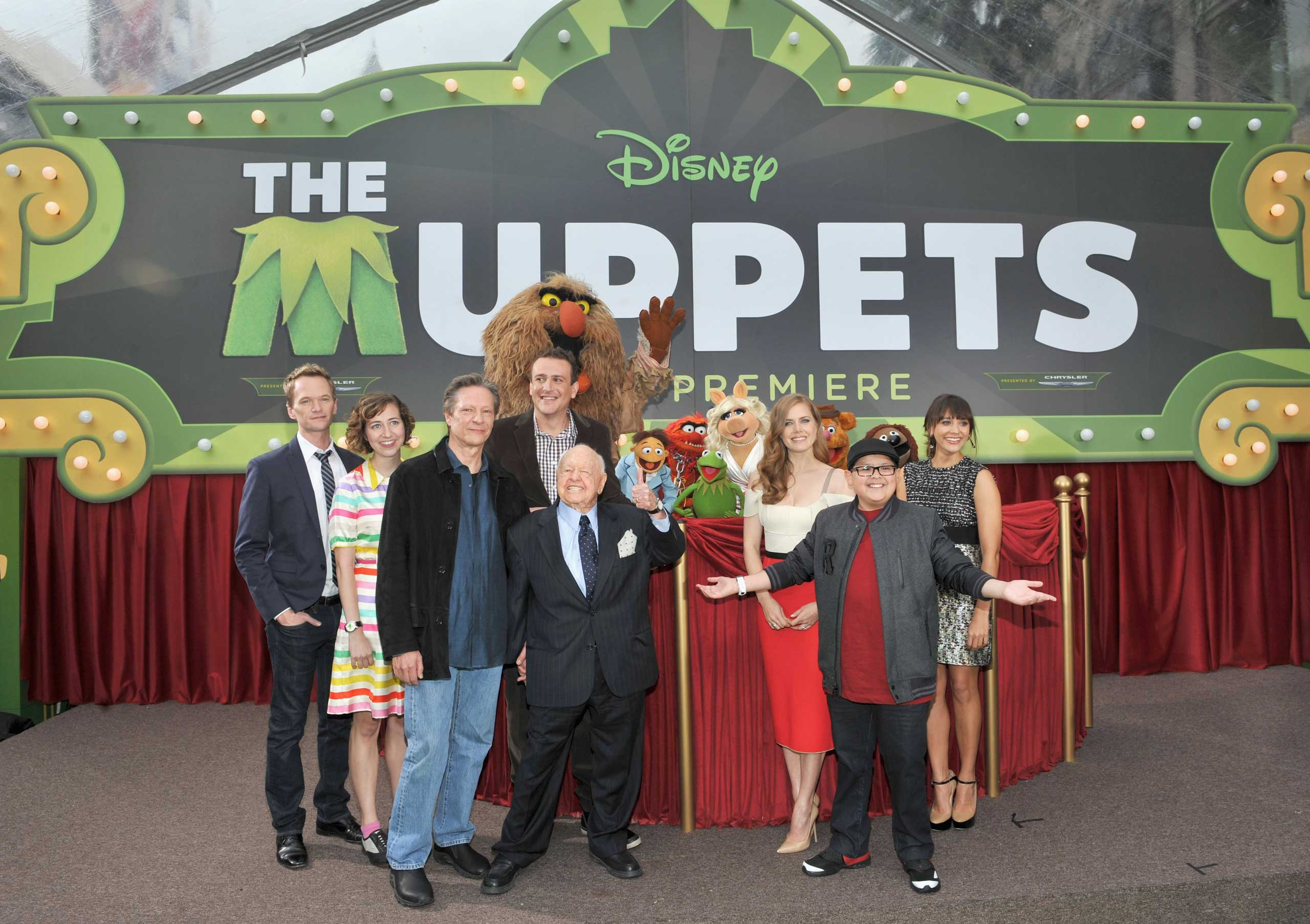 Harris made a 5-second celebrity cameo during the famous  Man Na Mah Na  song in The Muppets movie in 2011.