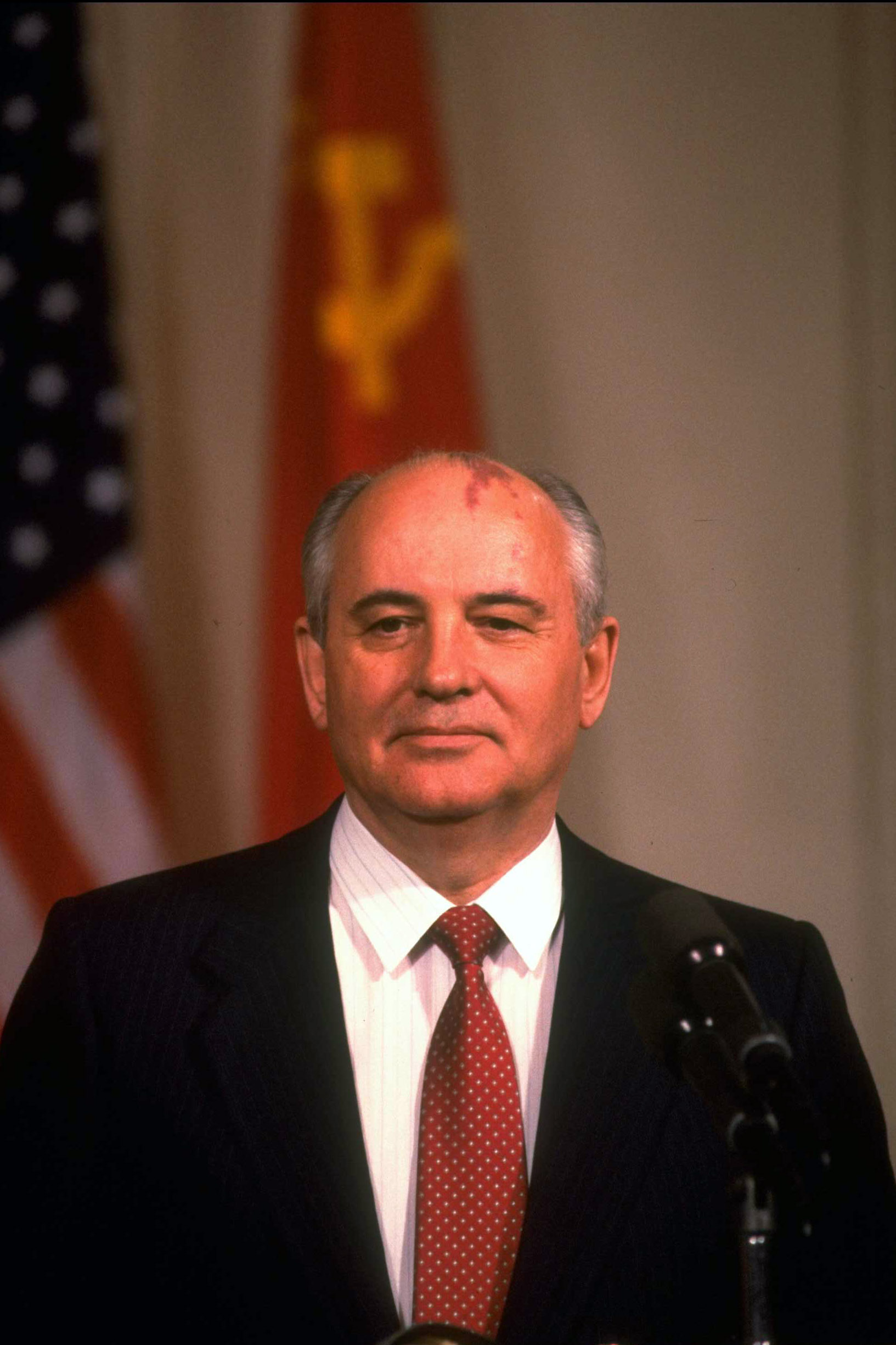"""<b>Mikhail Gorbachev, 1990</b>""""For his leading role in the peace process which today characterizes important parts of the international community"""""""