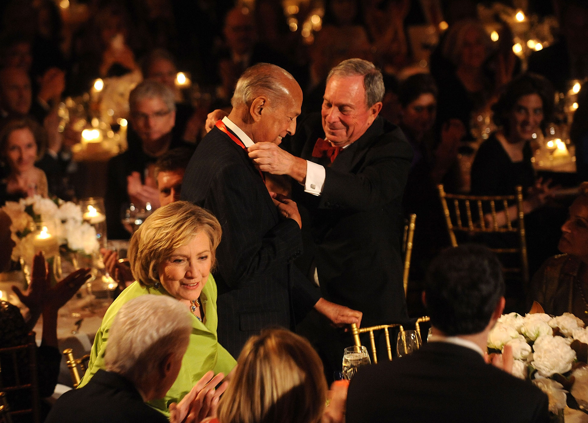 Designer Oscar de la Renta and Michael R. Bloomberg attend the 2014 Carnegie Hall Medal Of Excellence Gala Honoring Oscar De La Renta at The Plaza Hotel on April 24, 2014 in New York City.