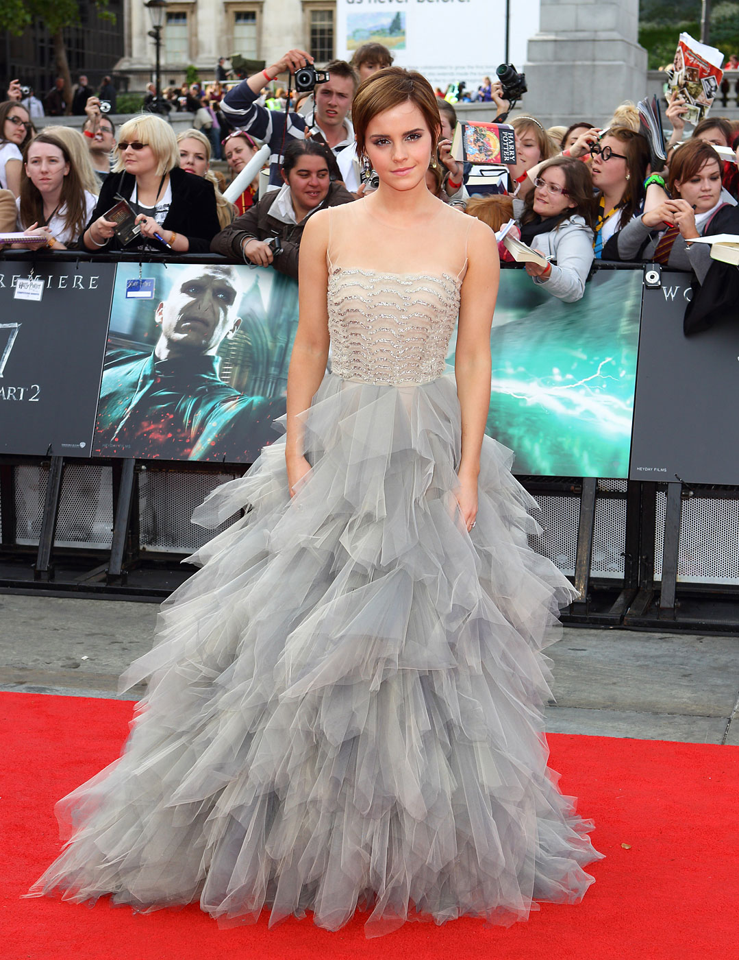 Emma Watson wears Oscar de la Renta to the world premiere of Harry Potter And The Deathly Hallows Part 2 at Trafalgar Square on July 7, 2011 in London, England.