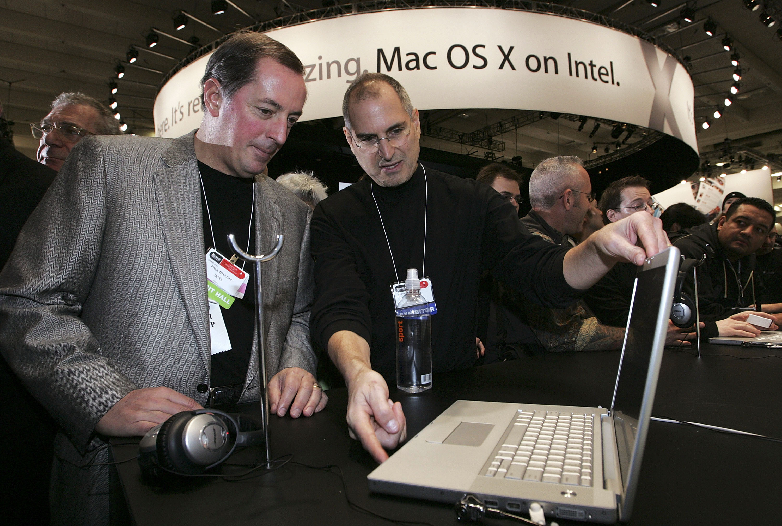 2006 Macbook Pro was Apple's first computer to use Intel Core processors, replacing PowerBook computers. The Macbook Pro line is Apple's latest laptop collection.