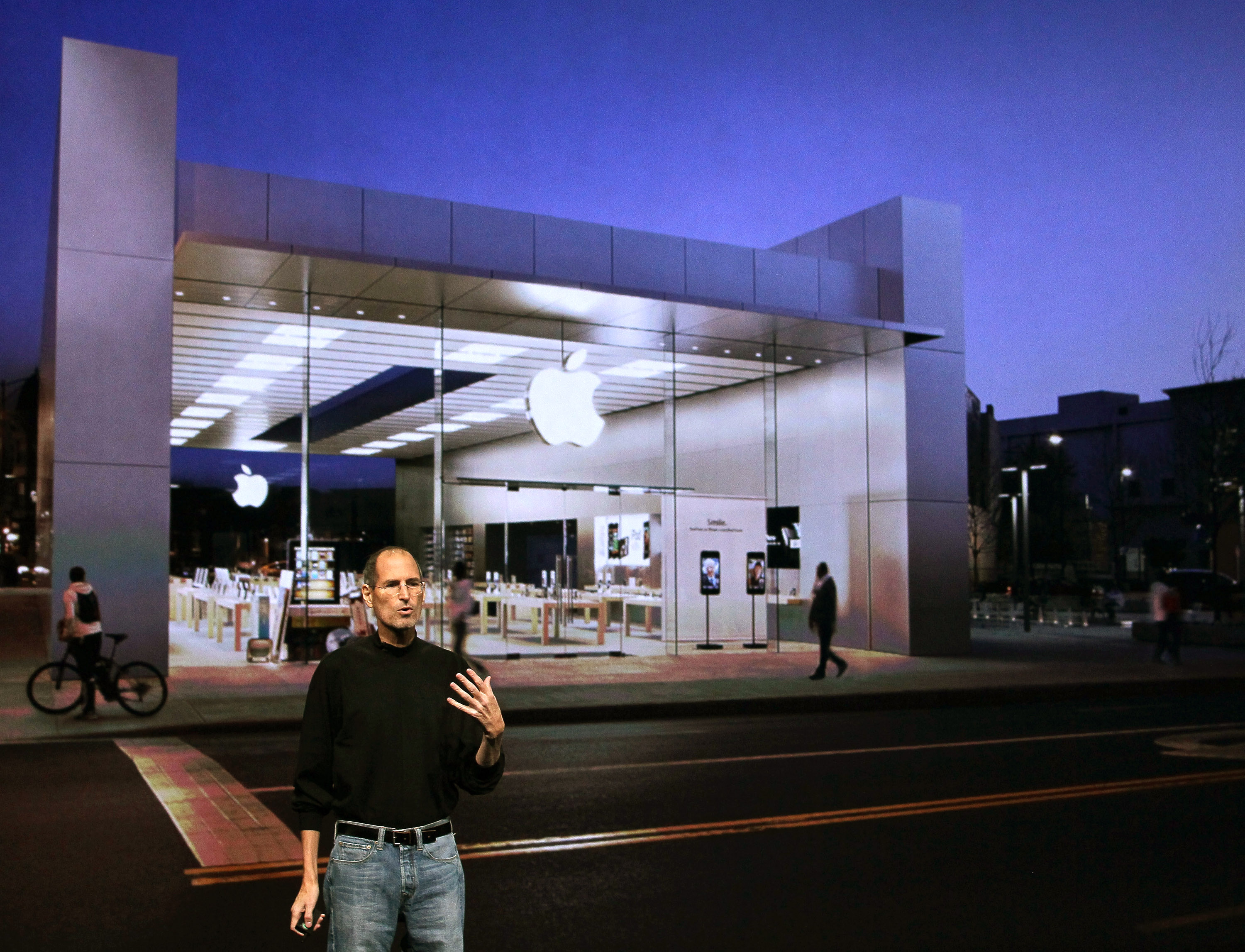 2001 Apple opened its first Apple Stores in 2001, with the original two stores in Virginia and California. On the opening day, thousands of Apple fans stood in line and collectively spent over half a million dollars.