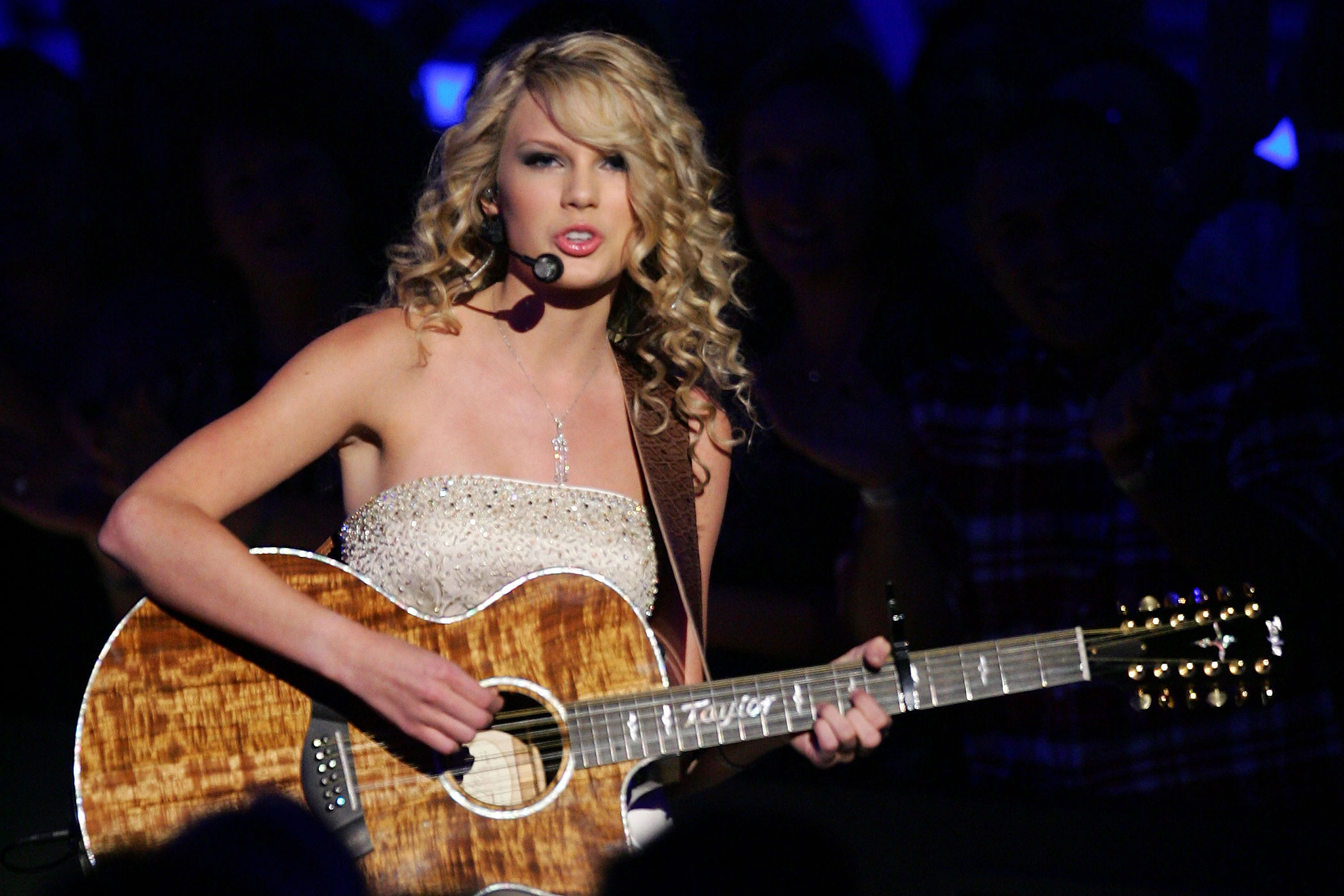 Taylor Swift performs during the 42nd Annual Academy Of Country Music Awards held at the MGM Grand Garden Arena in Las Vegas, Nevada in 2007.
