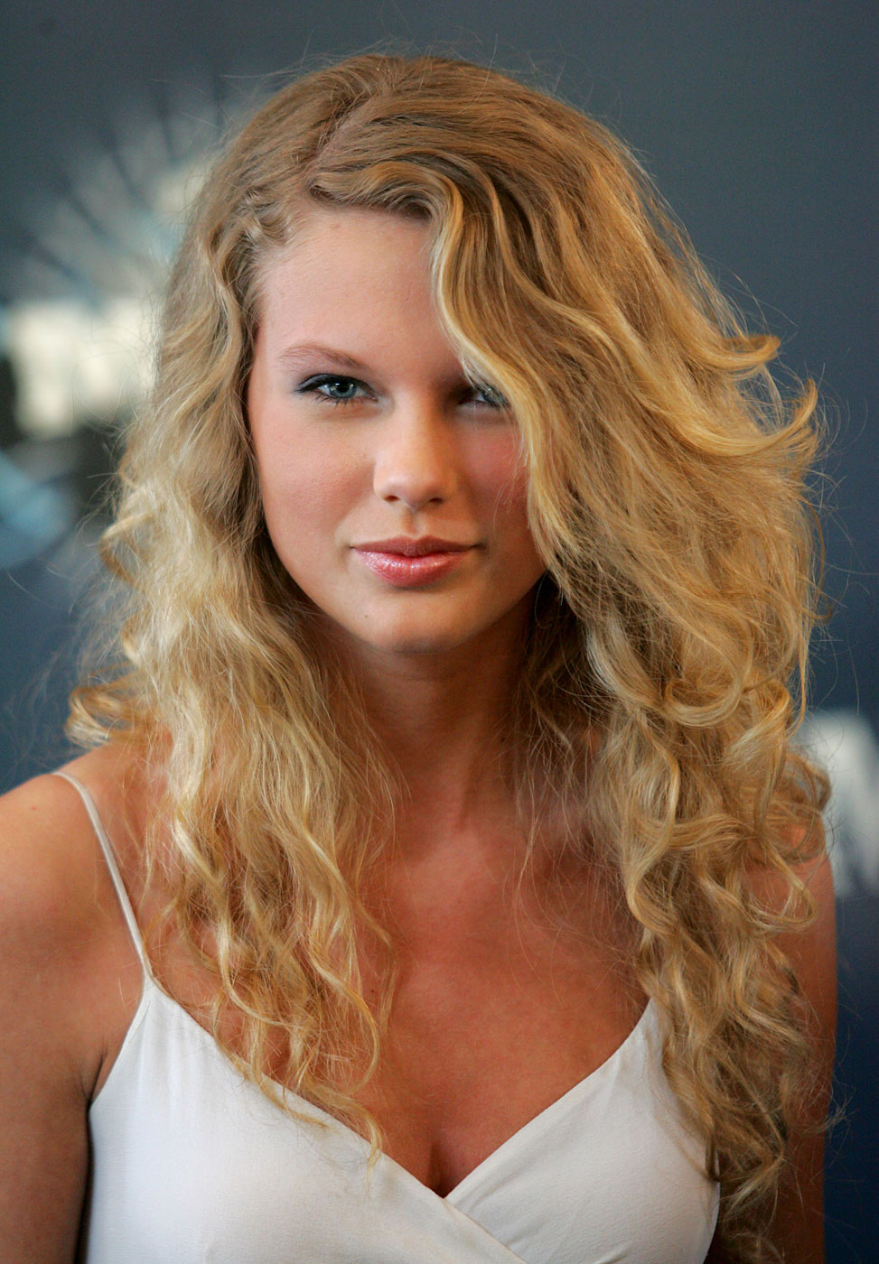 Taylor Swift arrives at the 2006 CMT Music Awards at the Curb Event Center at Belmont University in Nashville, Tennessee.