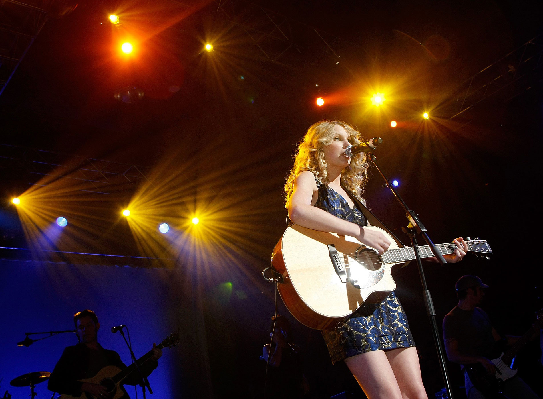 Taylor Swift performs during the 44th annual Academy of Country Music Awards All-Star Jam at the MGM Grand Hotel/Casino in Las Vegas, Nevada in 2009.