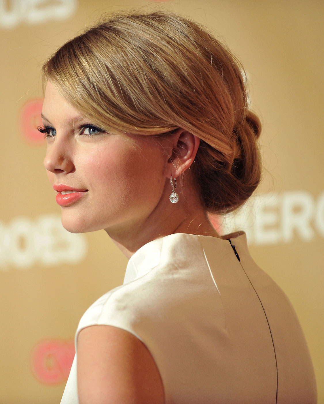 Singer Taylor Swift arrives at CNN Heroes: An All-Star Tribute at the Kodak Theatre in Hollywood, California in 2008.