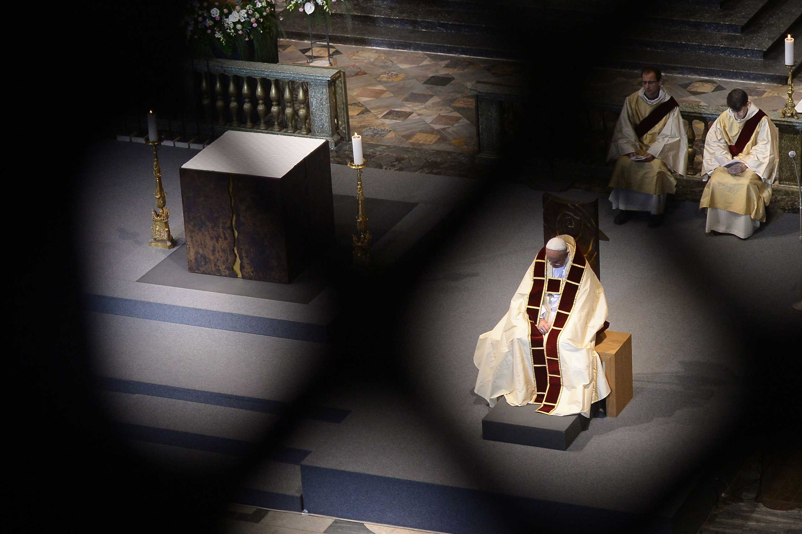 Sept. 27, 2014. Pope Francis celebrates Vespers on the occasion of the Bicentennial of the Restoration of the Society of Jesus at the Gesu church (Chiesa del Gesu) in Rome.