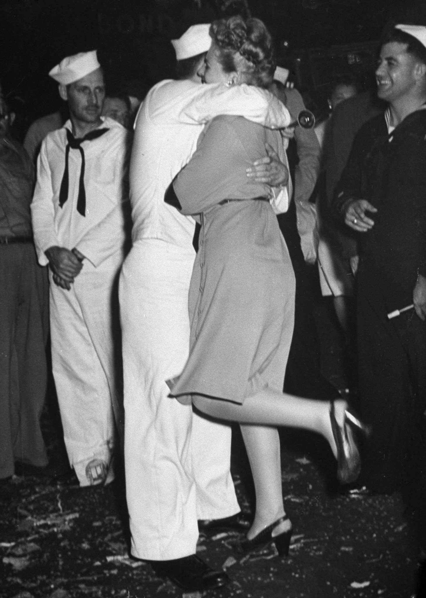 Not published in LIFE. V-J Day in New York City, August 14, 1945.