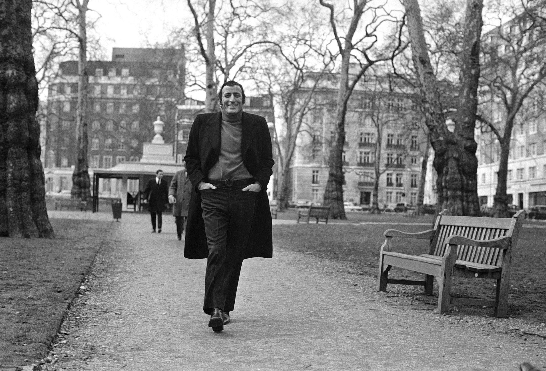 Tony Bennett swings through Berkeley Square, London, May 4, 1972.